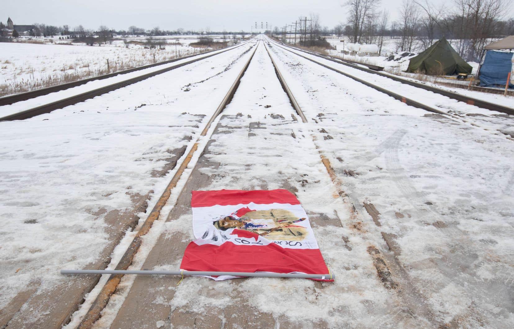 <p>Les trains de Via ont été perturbés par les manifestations de solidarité envers les chefs héréditaires de Wet'suwet'en, opposés au projet de gazoduc Coastal GasLink.</p>