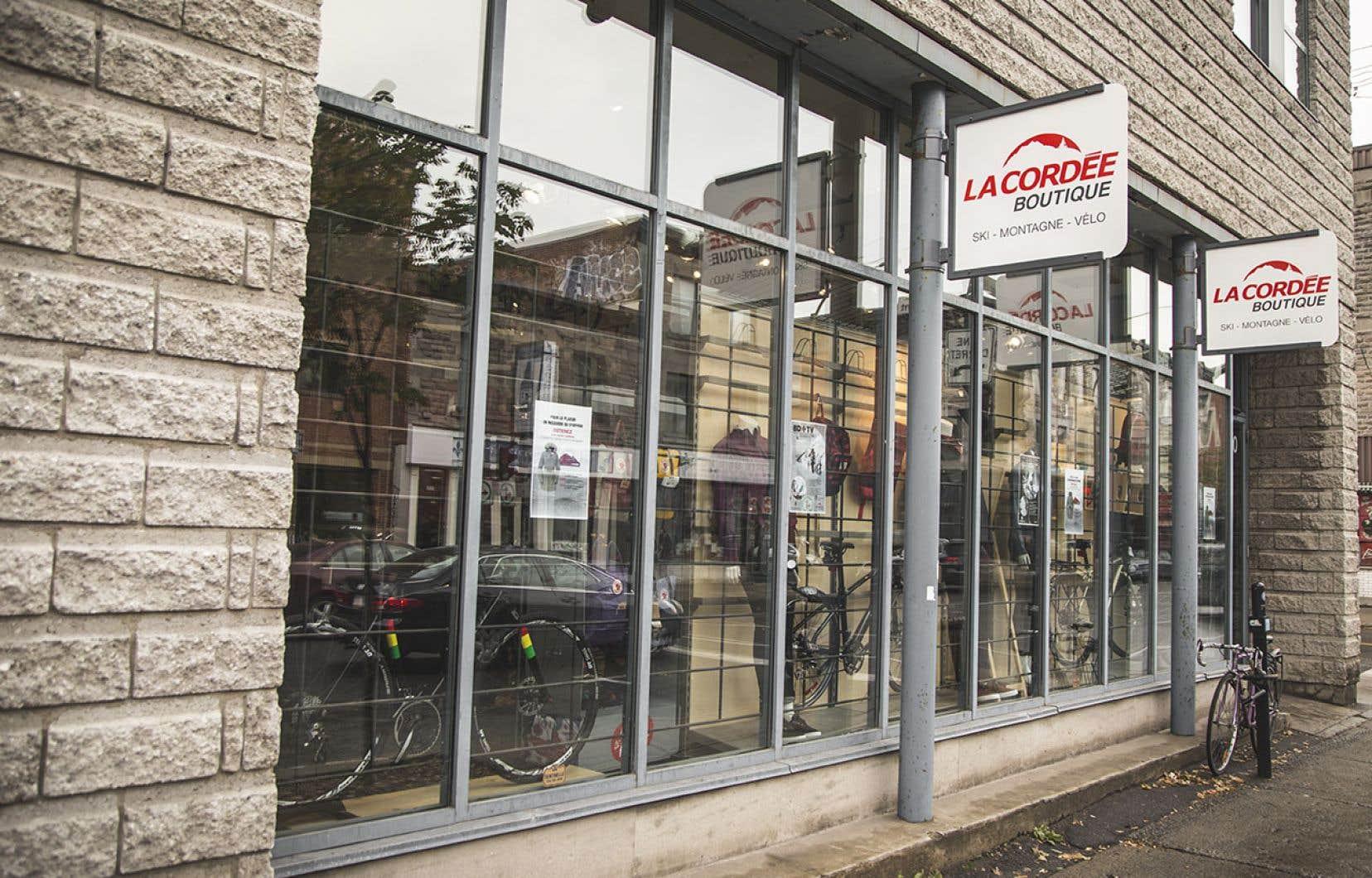 <p>Fondée en 1953 sous la forme d'une coopérative, le détaillant compte quelque 400 employés répartis dans cinq magasins.</p>