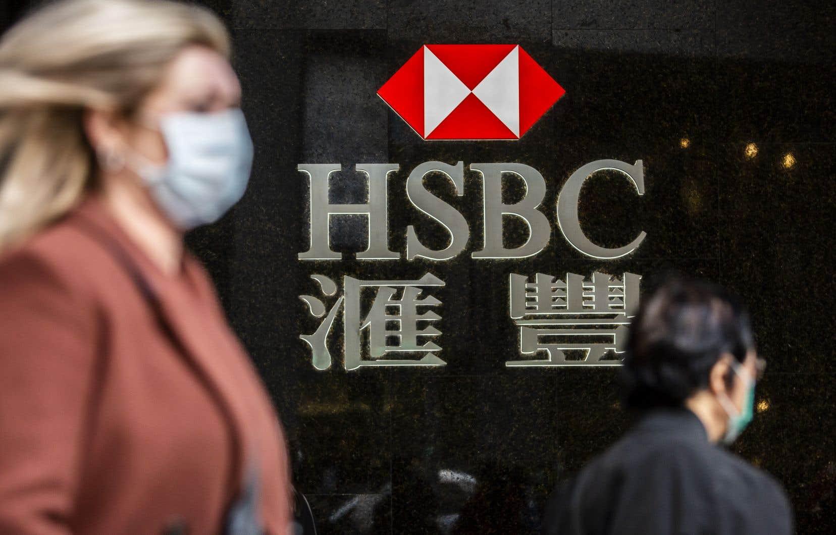 HSBC esquissait mardi les contours d'une réorganisation de vaste ampleur, qui devrait se traduire par un recentrage en Asie et au Moyen-Orient.