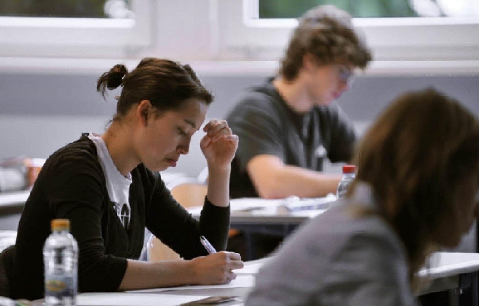 Parmi les 12 grandes compétences que les étudiants doivent acquérir à la fin de leur parcours collégial, aucune ne fait mention du Québec et de son histoire.