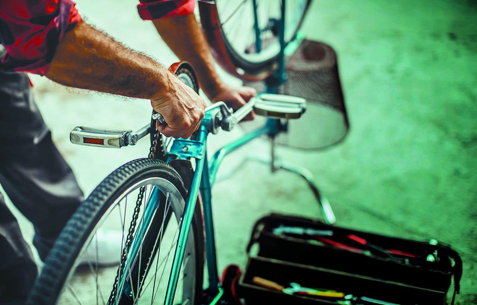 À Mon Atelier  de quartier, les citoyens ont accès à des  outils pour réparer un vélo, par exemple.