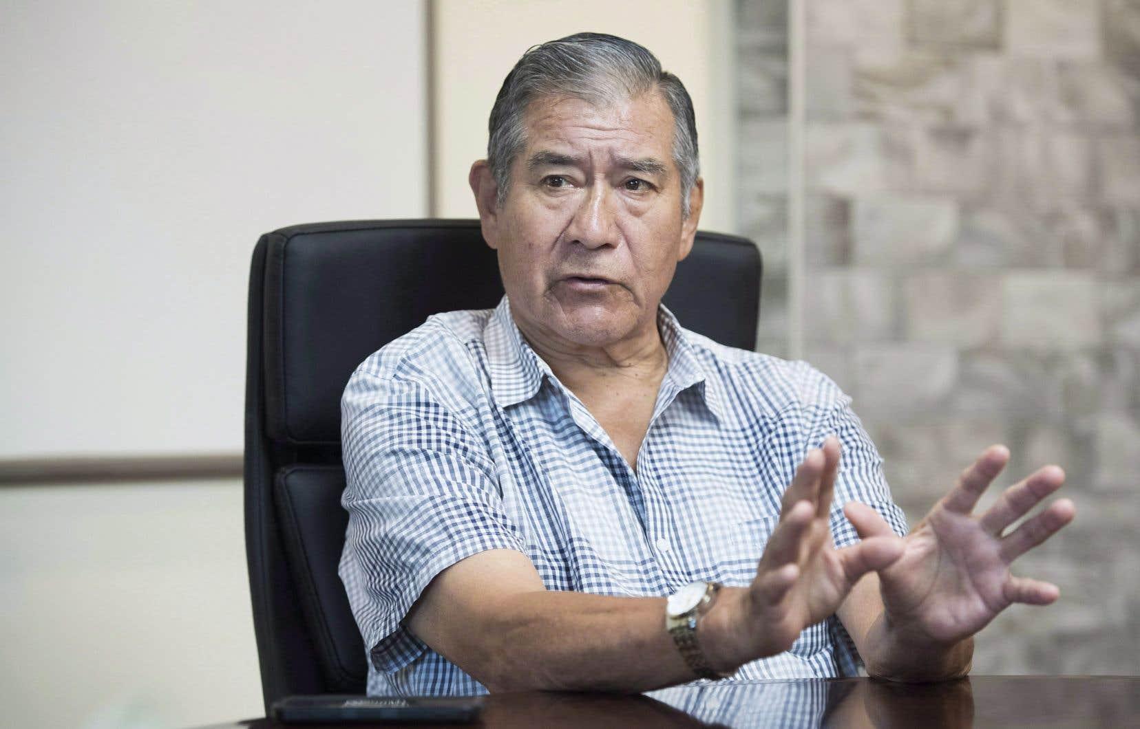 «On ne les laisserait pas entrer de toute façon», a statué le grand chef de Kahnawake, Joe Norton, en ajoutant que «tout le monde» — les élus comme les résidents —s'assurerait de barrer la route aux forces de l'ordre.