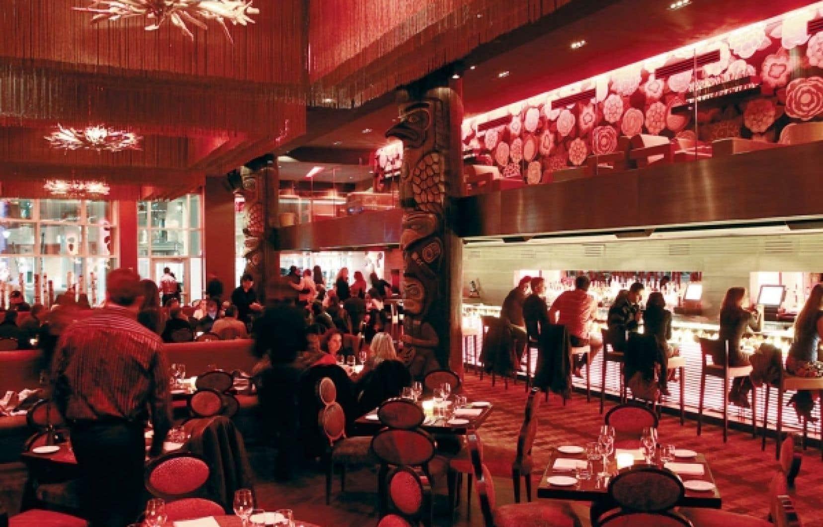 Le décor du restaurant bar Kabana de Brossard est à l'image du centre commercial du quartier Dix30: moderne et flamboyant.<br />