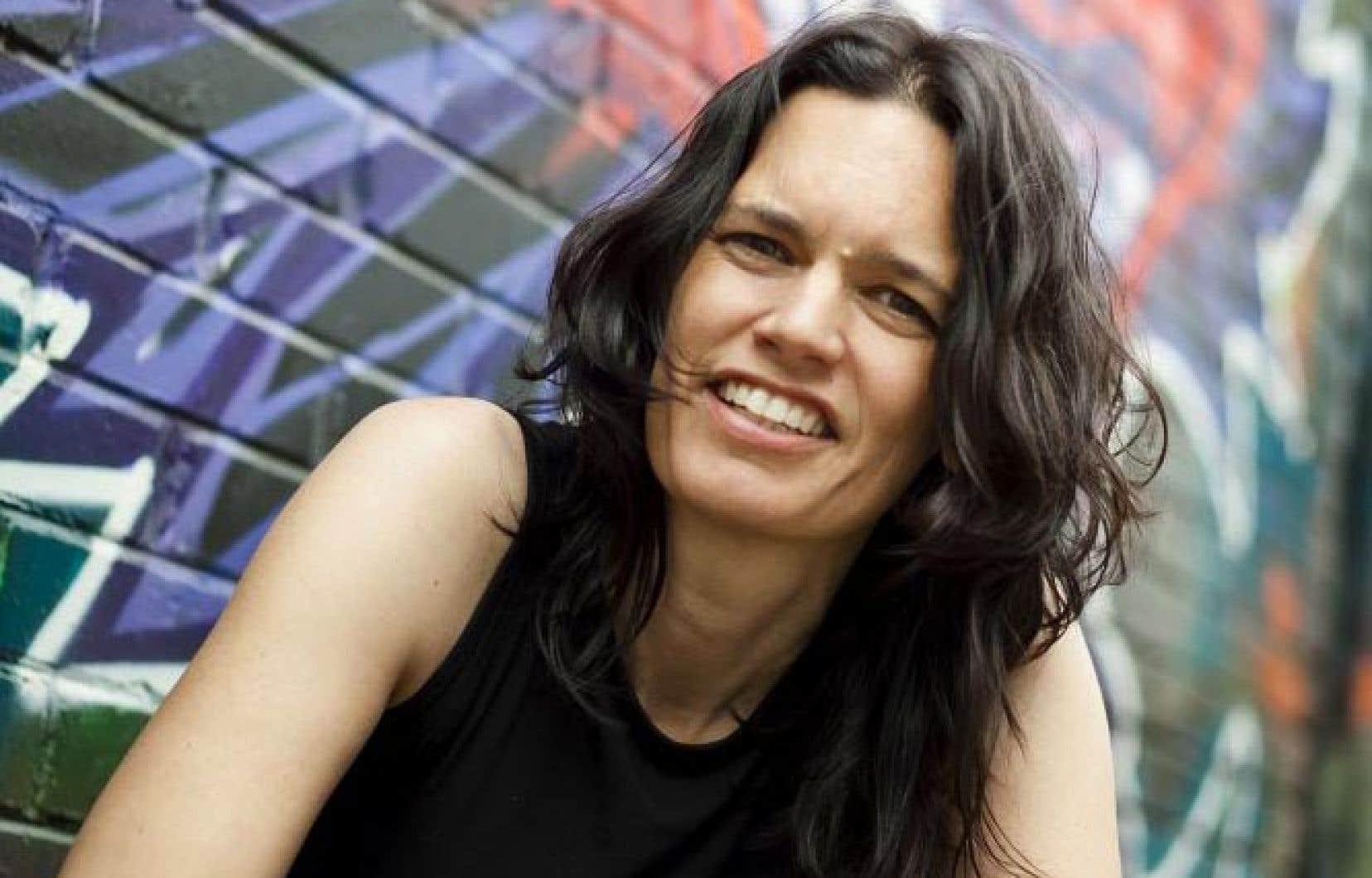 Écrivaine, musicienne, membre de la communauté Michi Saagiig Nishnaabeg, Leanne Betasamosake Simpson est l'une des grandes voix du mouvement de la résurgence autochtone au Canada.