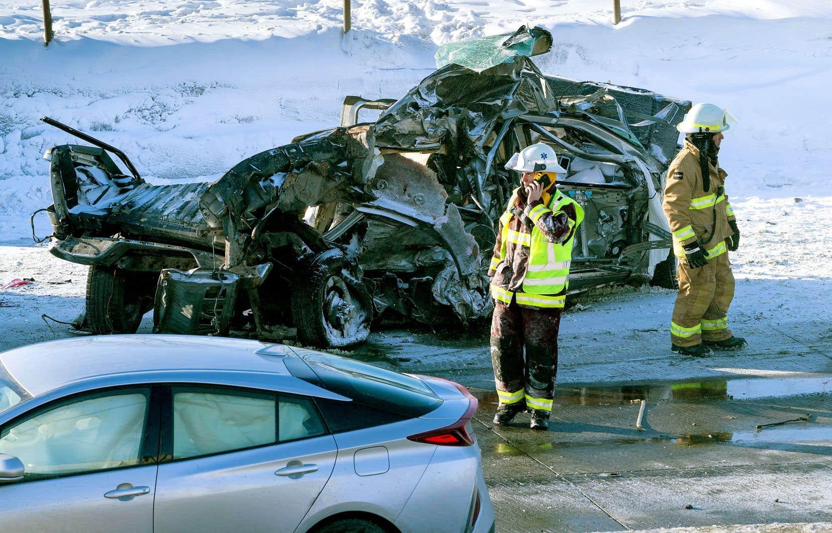 Près de 140 véhicules ont été impliqués sur près d'un kilomètre dans le carambolage de mercredi, à La Prairie.