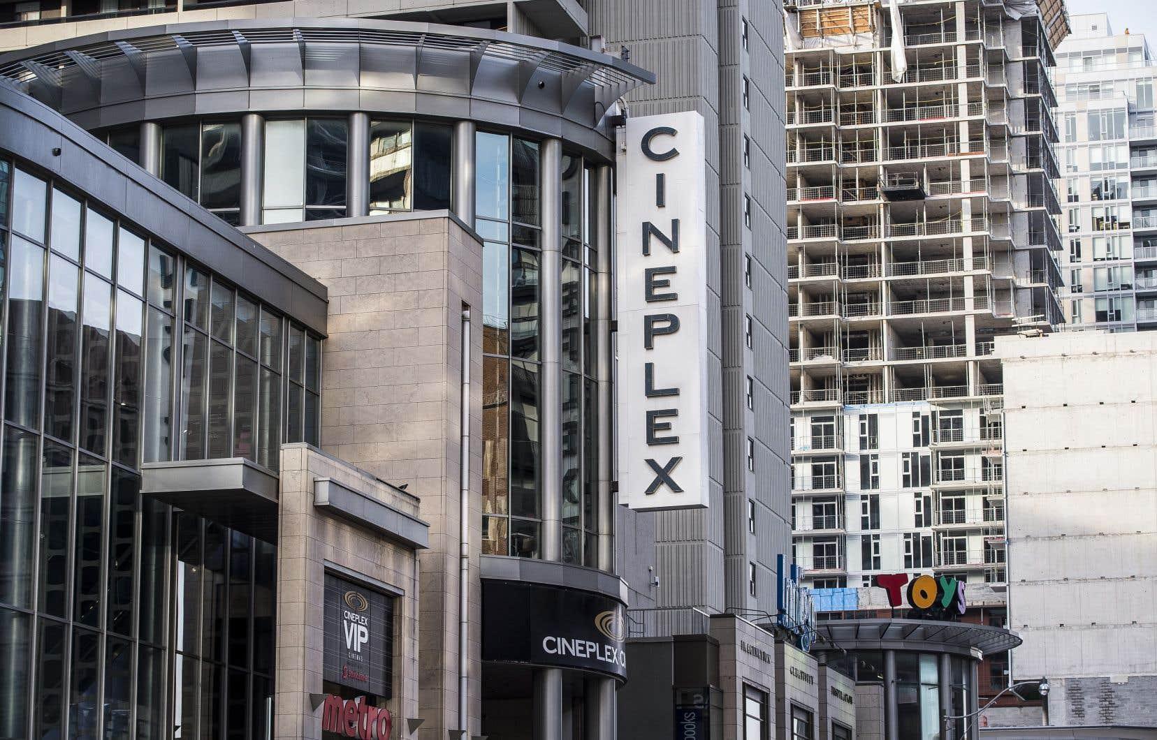Une pétition a été lancée dans la foulée de l'achat de Cineplex par une entreprise britannique, Cineworld PLC, au prix de 2,8 milliards de dollars.