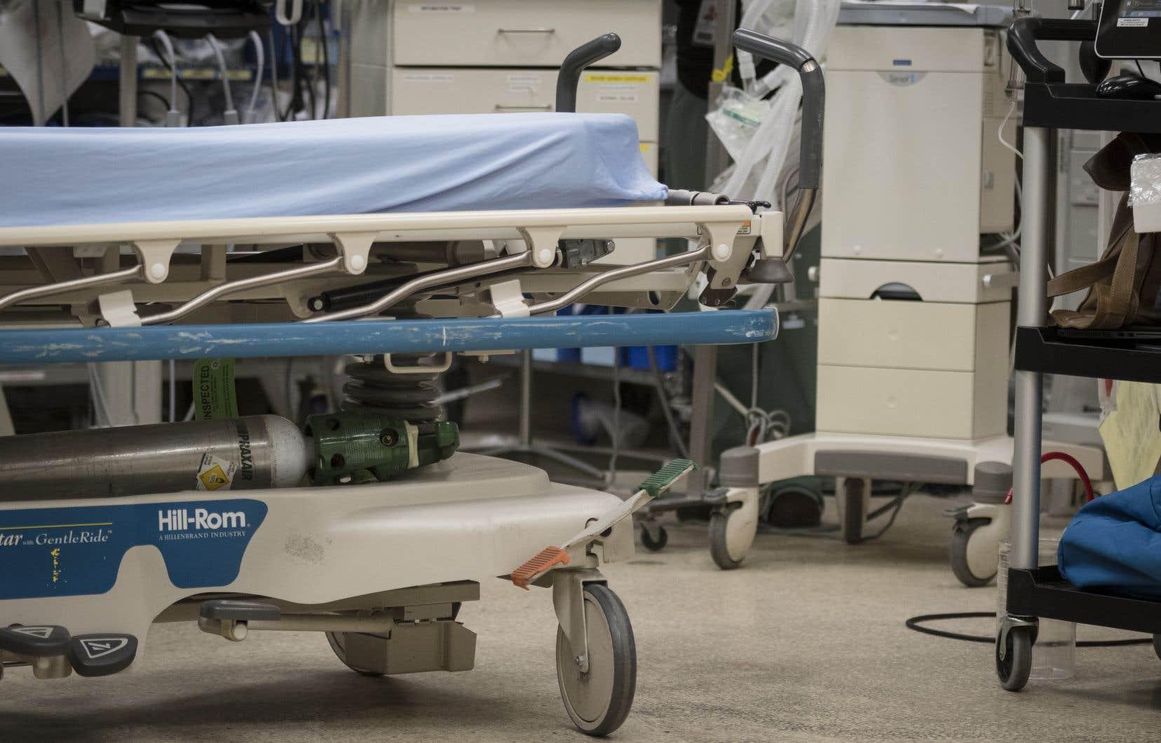 Deux des principaux fournisseurs d'équipements médicaux du Québec assurent que des mécanismes ont été mis en place pour garantir la disponibilité des fournitures nécessaires en cas d'urgence.