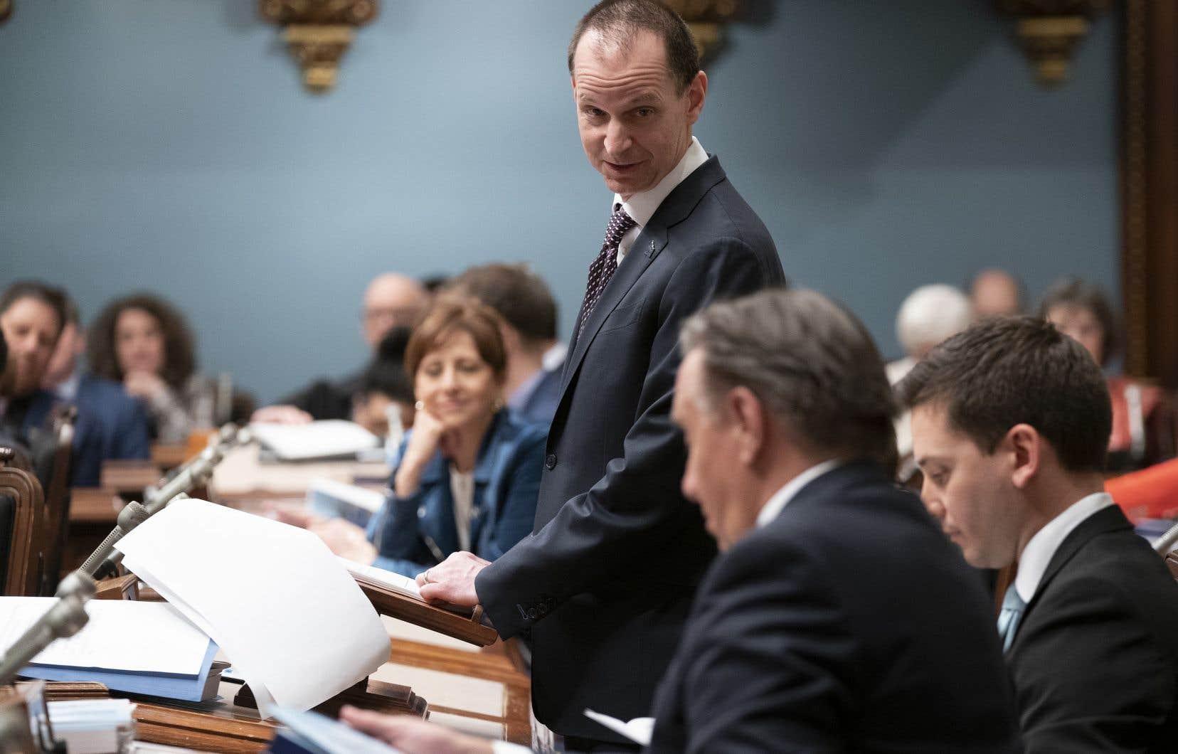 «Le gouvernement Legault doit mieux maîtriser les dépenses si l'on souhaite passer par-dessus les défis financiers annoncés», dit l'auteur.