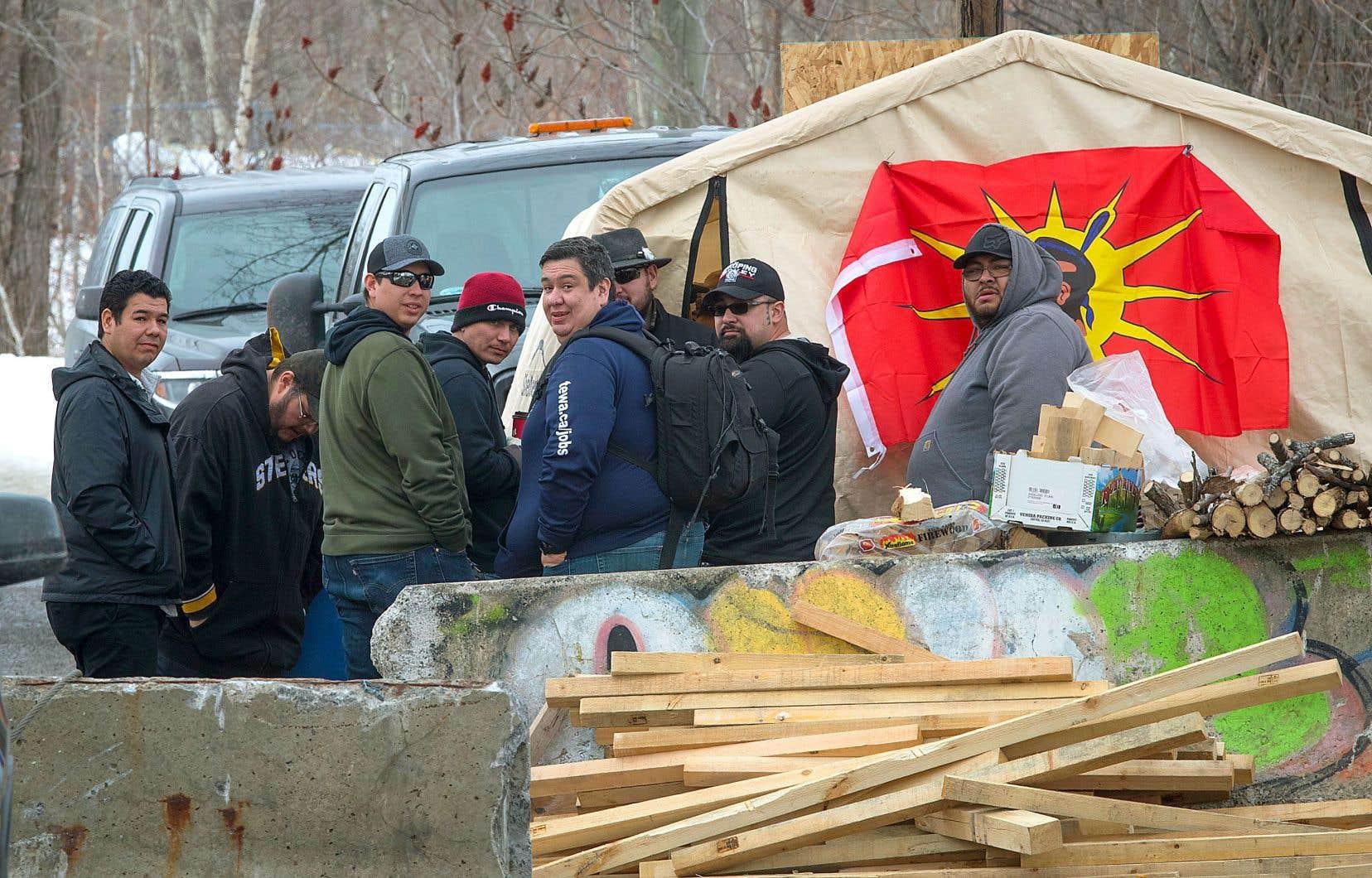 Les Mohawks de Kahnawake ont clairement fait savoir qu'ils ne se conformeront pas à l'injonction visant à faire rouvrir la voie ferrée.