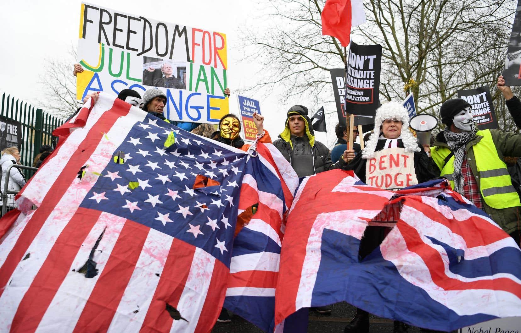 Julian Assange fait face à 18 chefs d'accusation et à une peine d'emprisonnement pouvant atteindre 175ans, s'il est conduit devant la justice américaine.