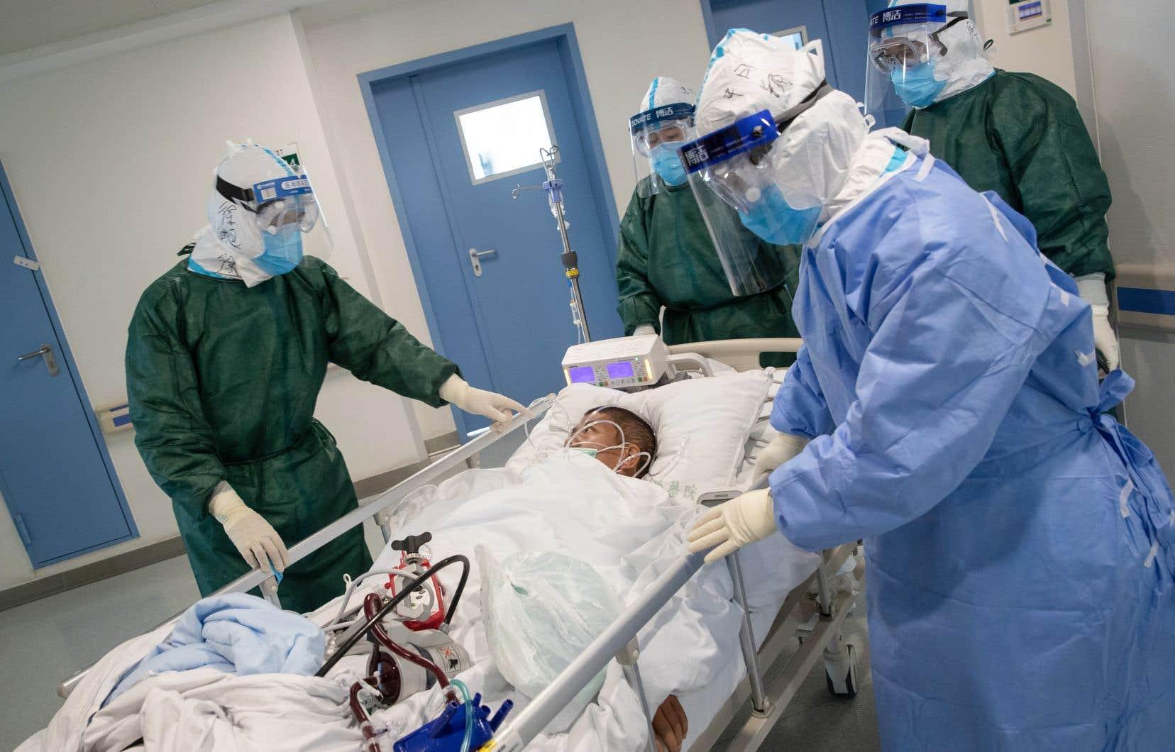 Dans les grandes villes de Chine, il y a des centres hospitaliers ultramodernes, mais les régions rurales ressemblent au Tiers-monde.