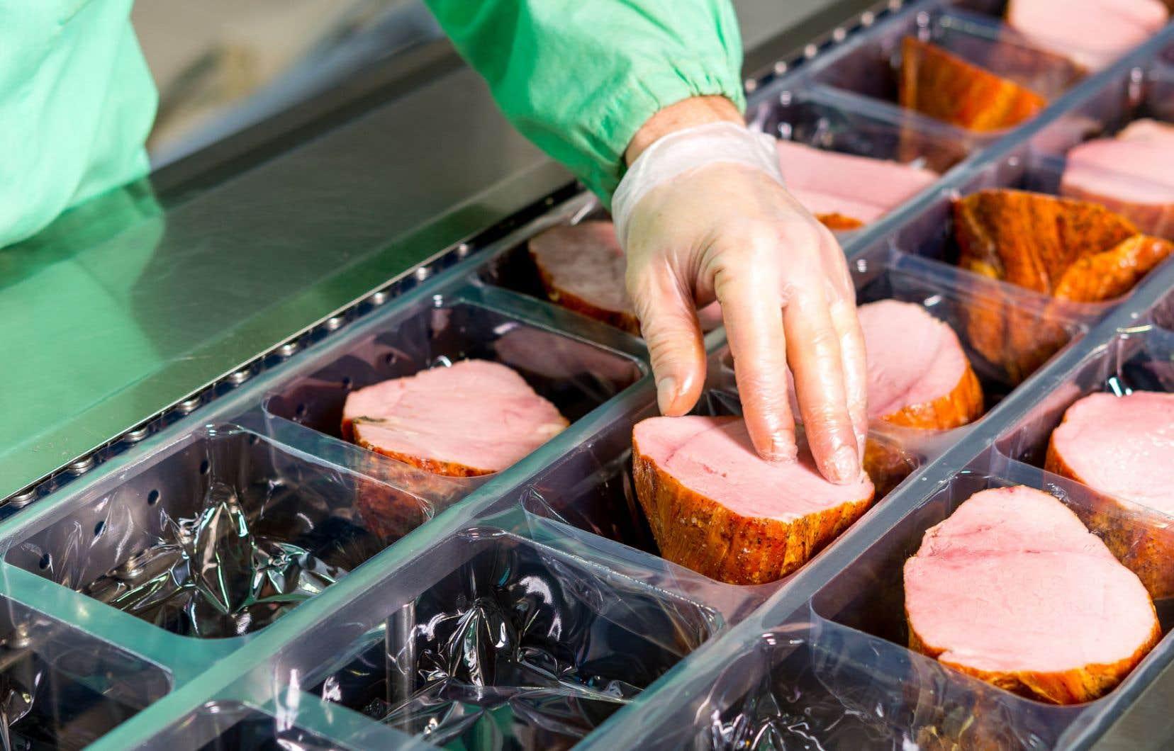Les trois divisions de Sollio groupe coopératif sont celles de la viande, Olymel; de l'agriculture, Sollio agriculture; et du détail, Groupe BMR.