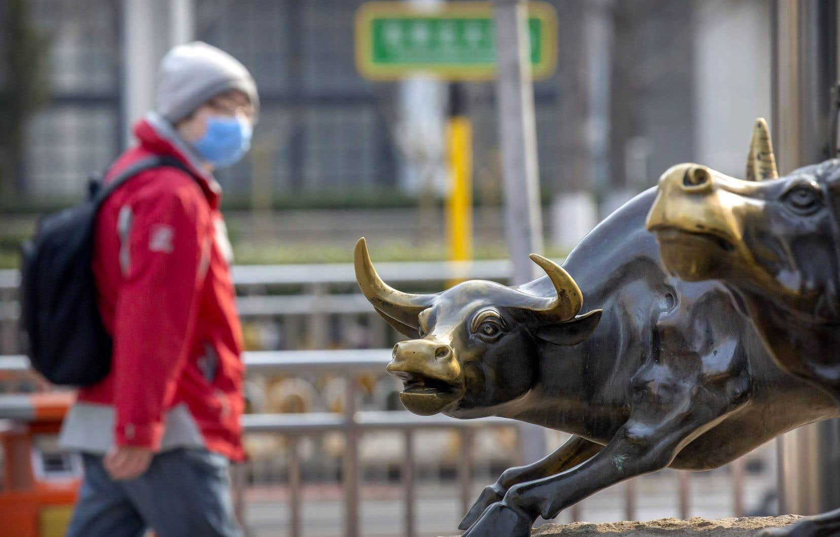 La séance de vendredi a débuté avec les bourses asiatiques faisant écho à la cassure observée jeudi à New York.