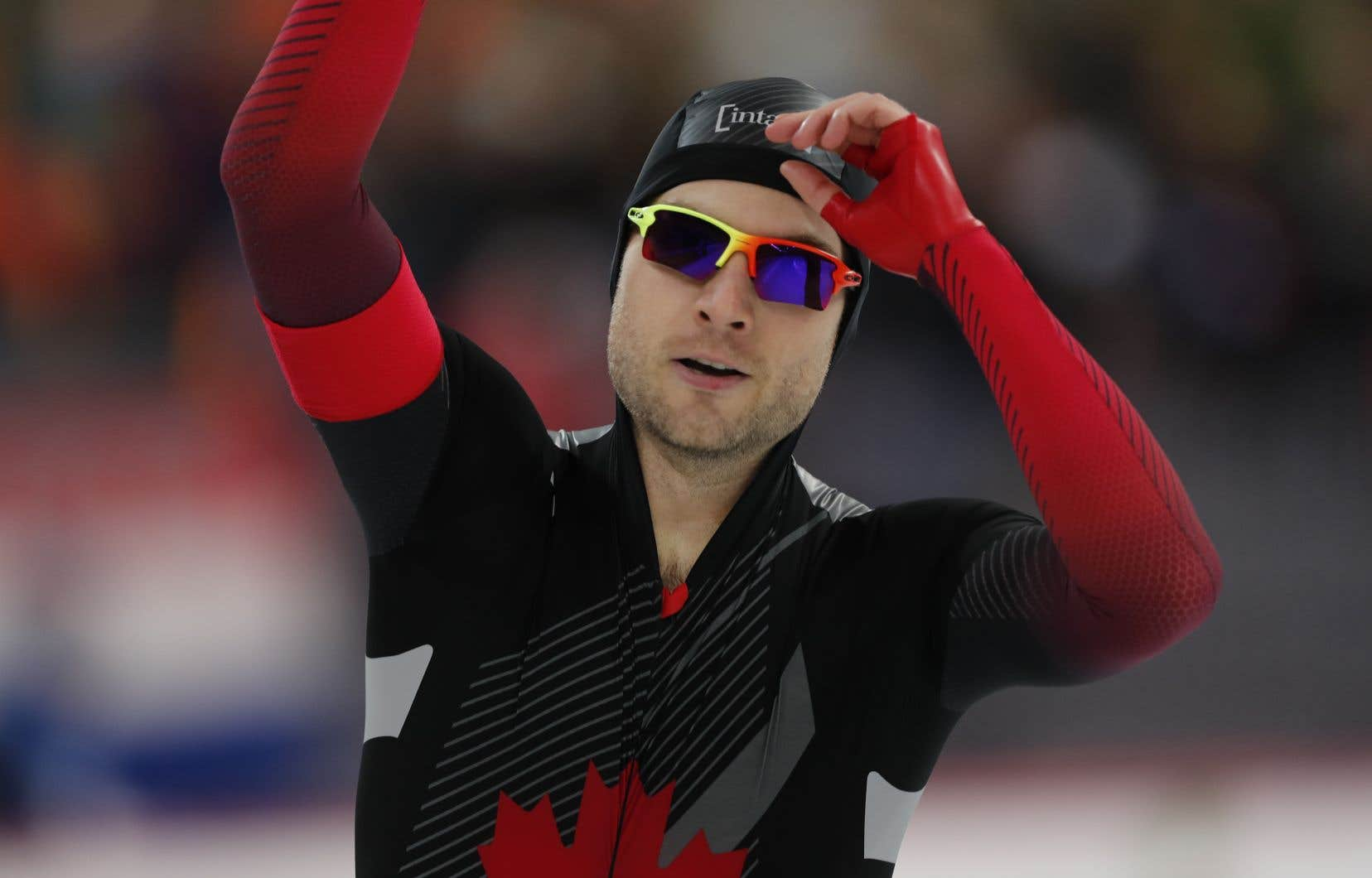 Cette médaille d'argent lui permet de devenir le quatrième Canadien à monter sur le podium en 50 ans d'histoire aux Championnats du monde de sprint.