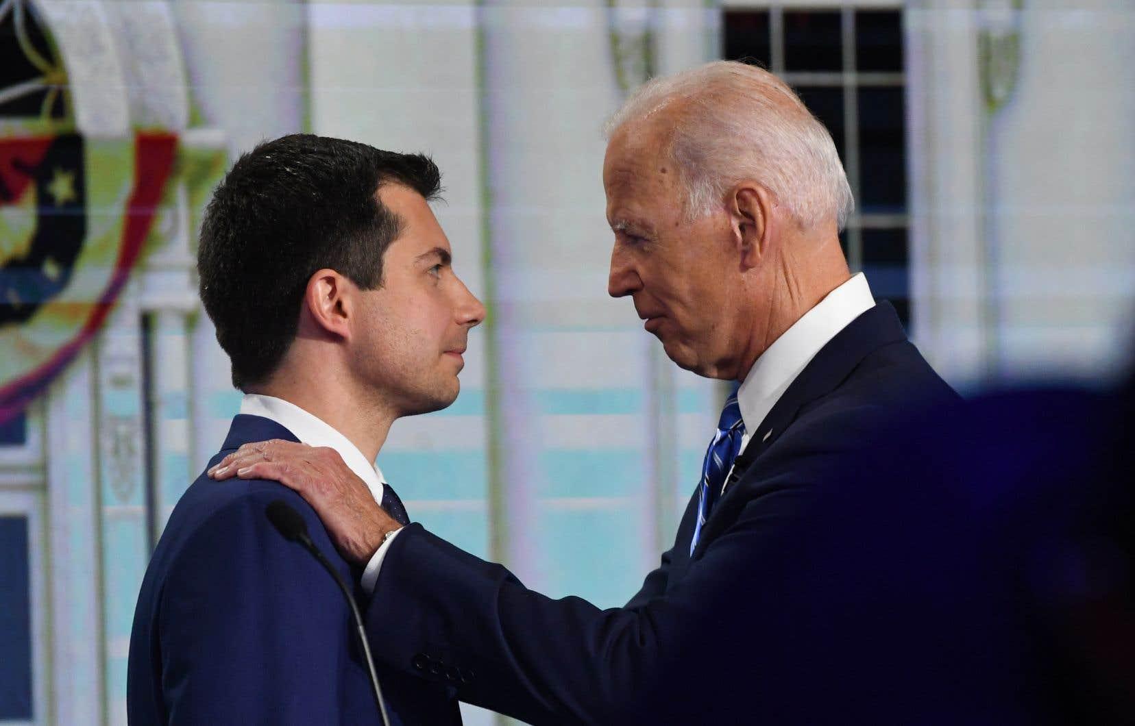 L'ex-candidat Pete Buttigieg et l'ex vice-président américain Joe Biden