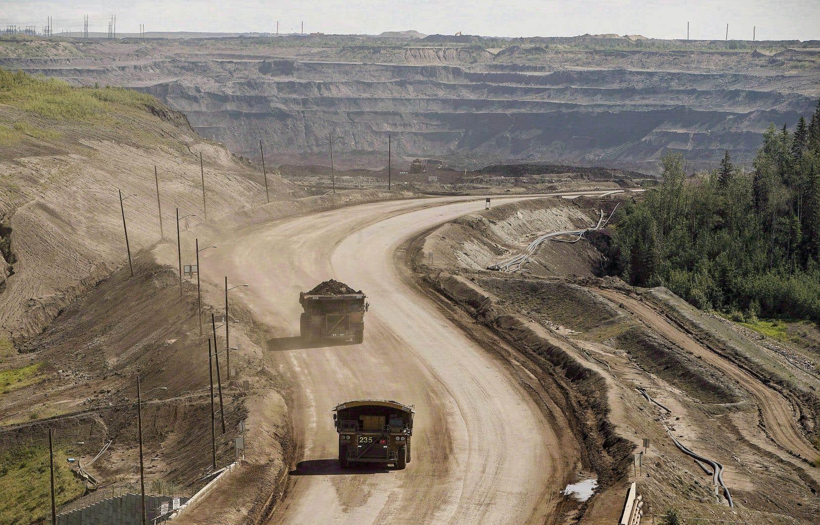 La pétrolière Suncor souhaite étendre l'exploitation d'un gisement pétrolier à ciel ouvert situé au nord de Fort McMurray, en Alberta.