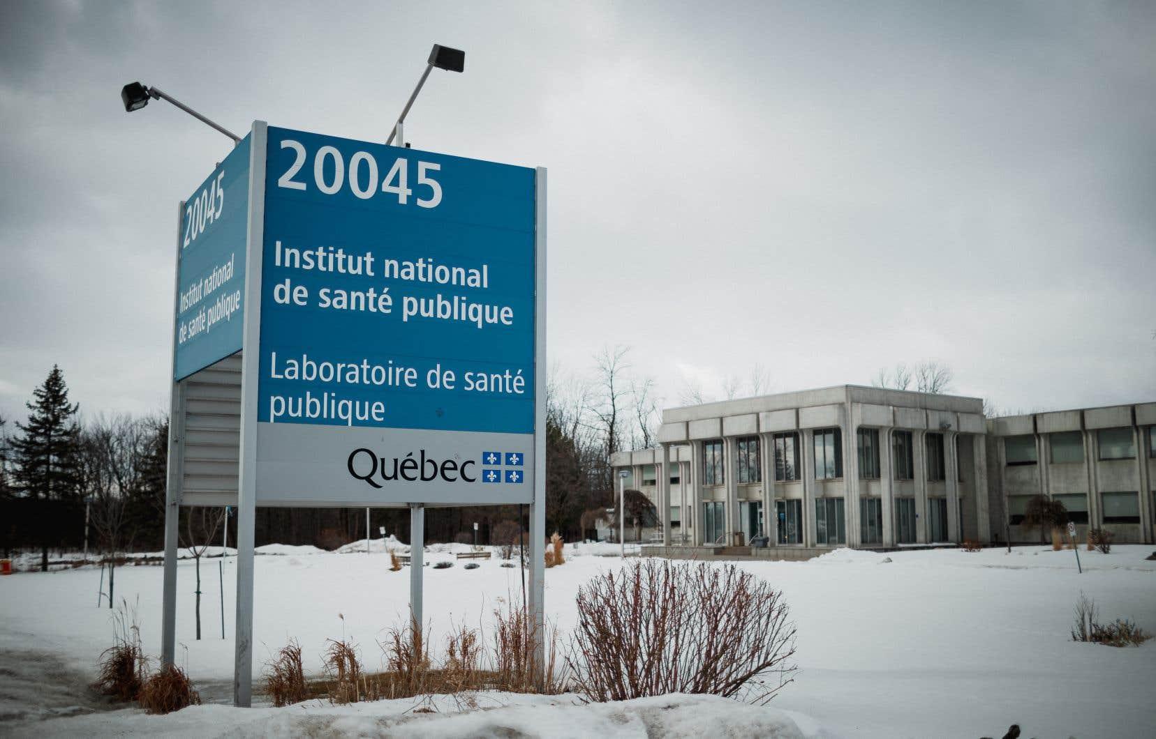 Le laboratoire québécois qui traque le COVID-19 | Le Devoir