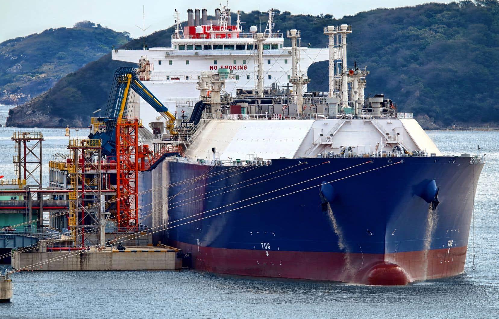 Le gaz naturel liquéfié serait exporté par des méthaniers empruntant le Saguenay et le Saint-Laurent.
