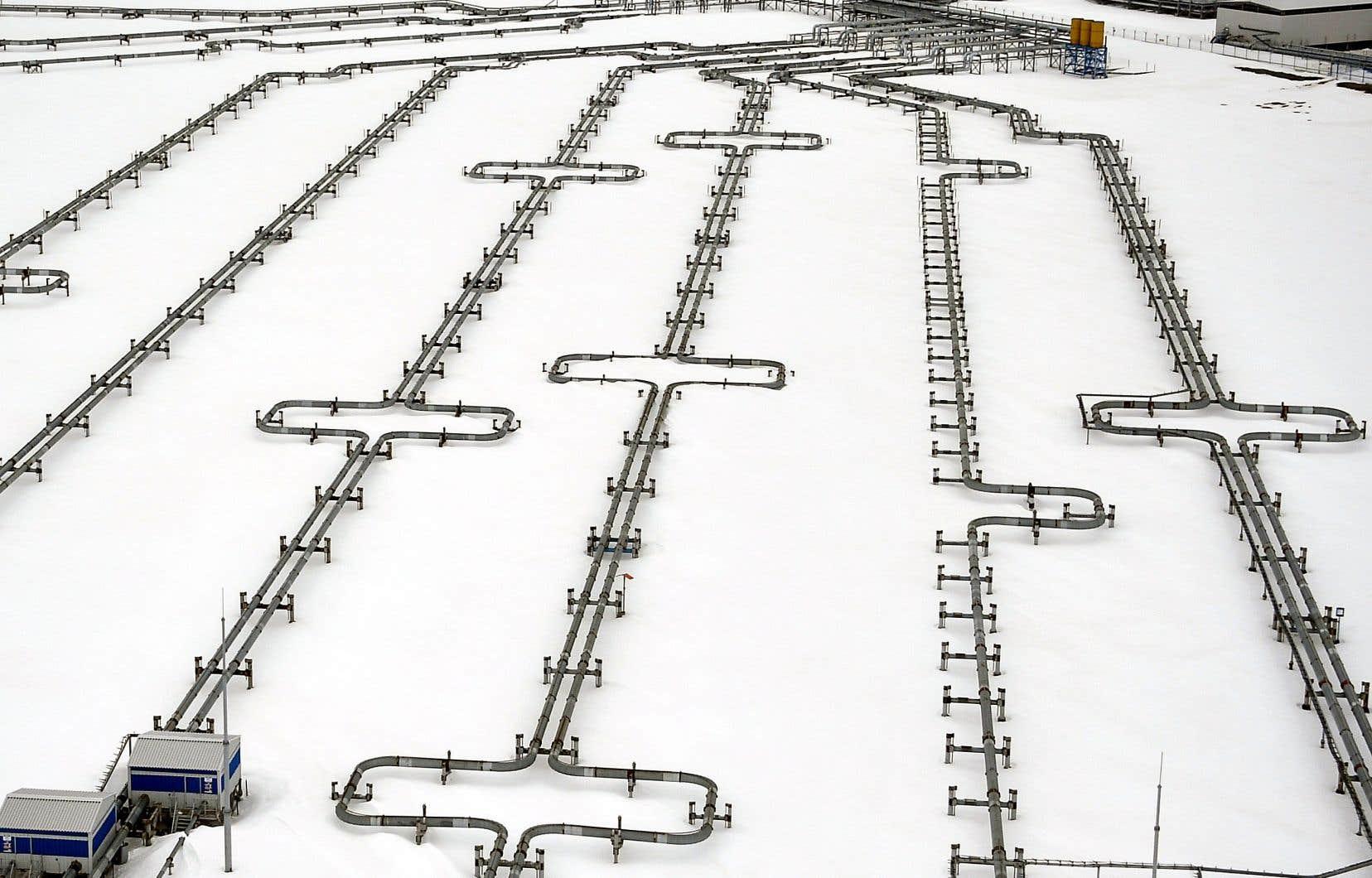 La Russie envisagerait une prolongation de l'accord en vigueur, mais pas de nouvelles réductions. Sur cette photo, des oléoducs mènent au gisement pétrolier de Bovanenkovo, dans le nord-ouest de la Sibérie.