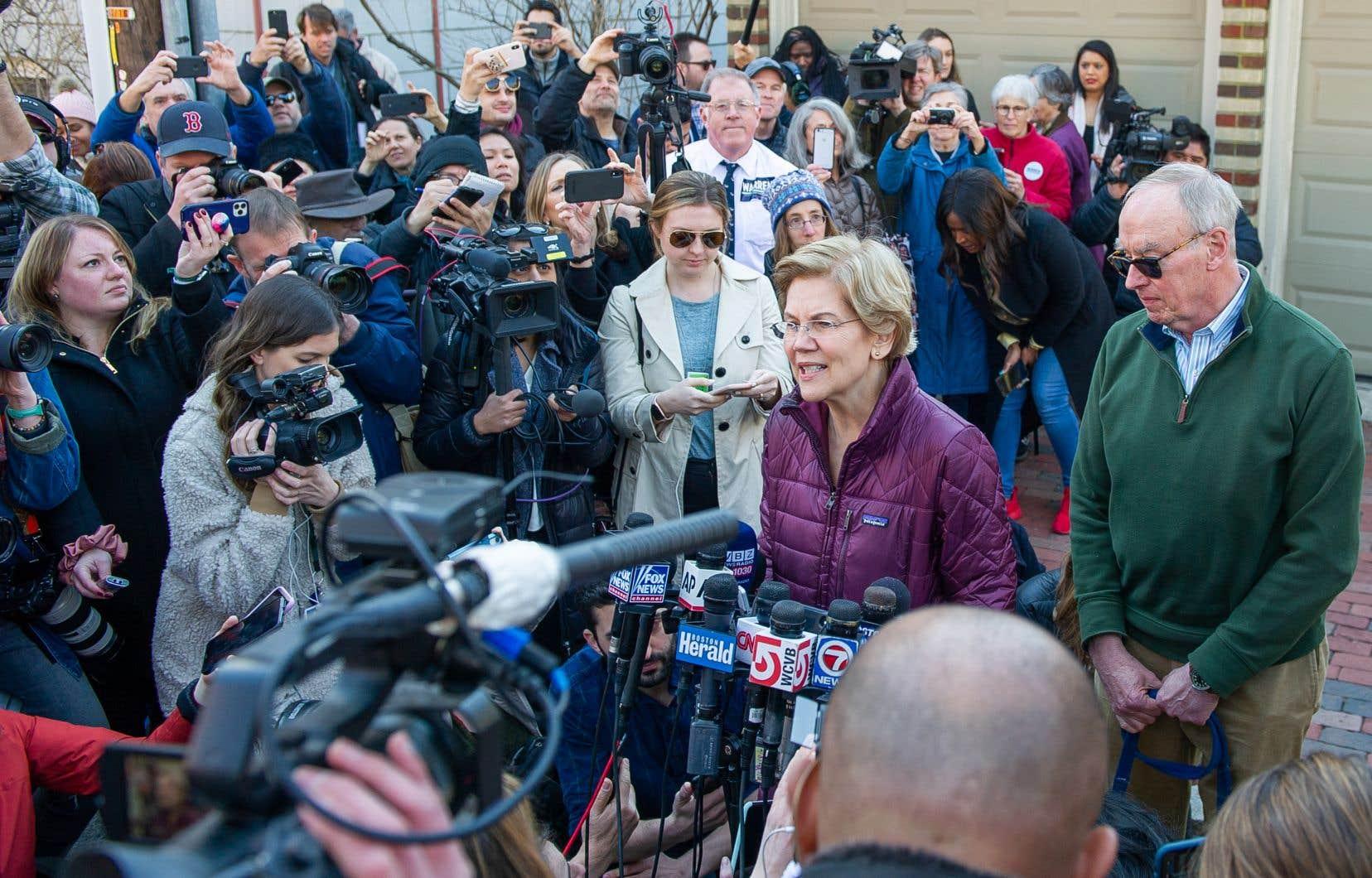 «Je ne me présenterai pas à la présidence en 2020», a lâché devant la presse jeudi Elizabeth Warren, visiblement émue.