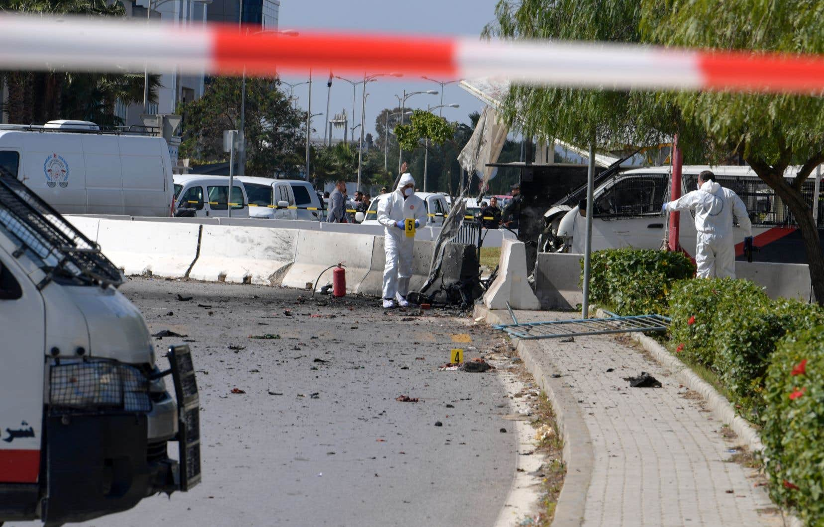 L'explosion a retenti en fin de matinée près de l'ambassade américaine, dans le quartier des Berges du Lac, à une dizaine de kilomètres du centre-ville.