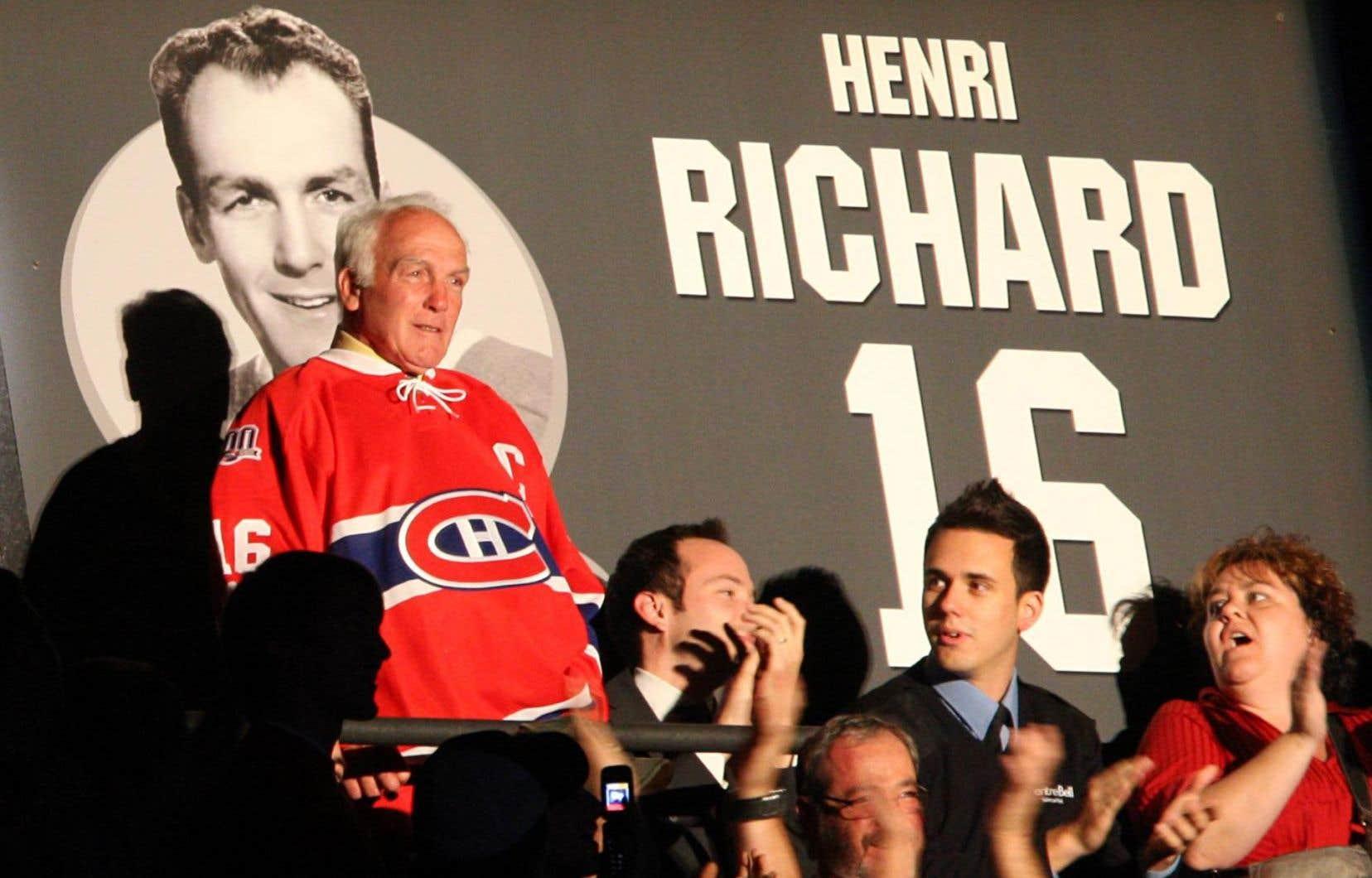 Le Canadien de Montréal a rendu hommage à Henri Richard lors des célébrations du centenaire de l'équipe.