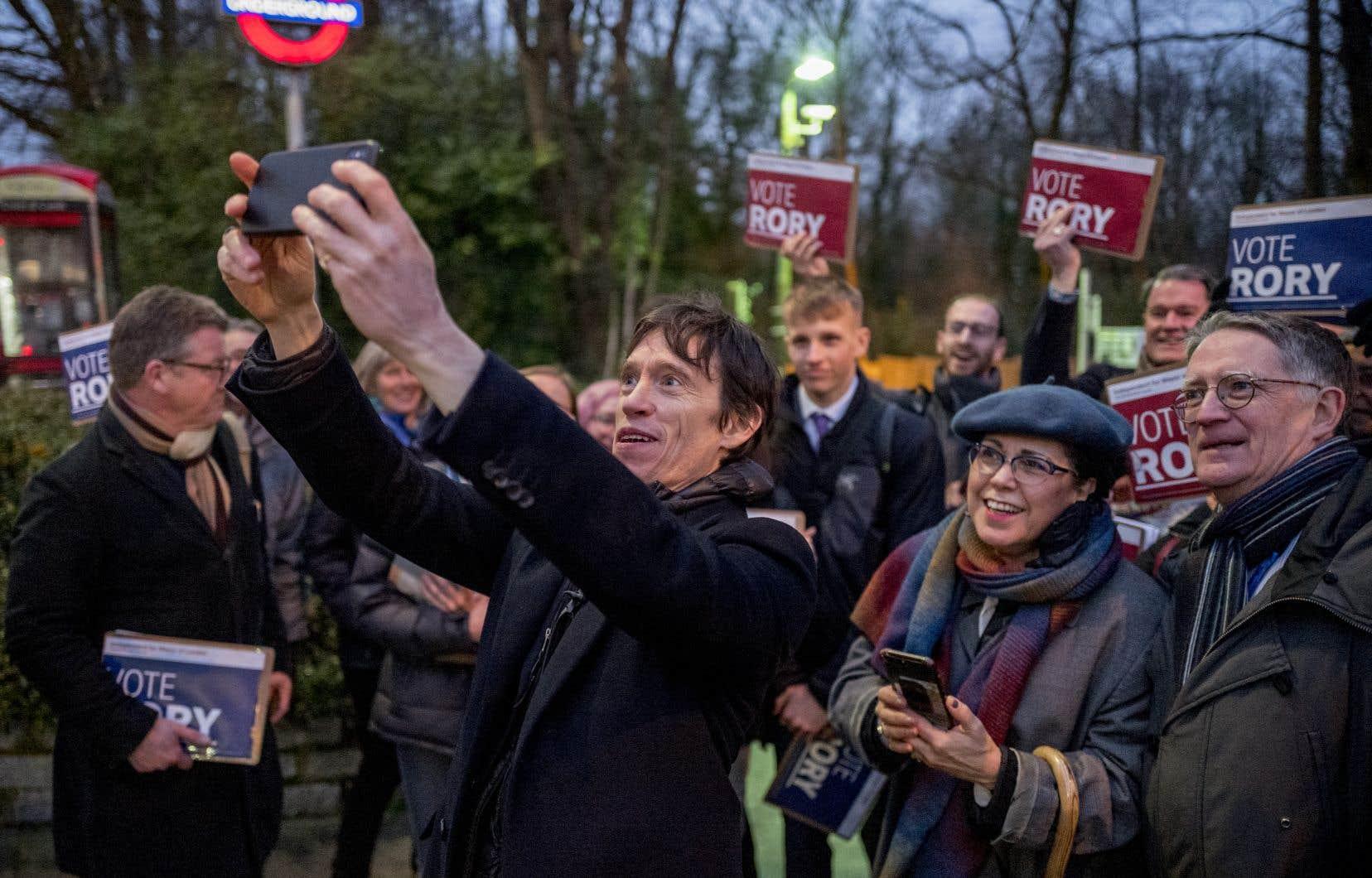 L'ex-ministre conservateur Rory Stewartse présente comme candidat indépendant à la mairie de Londres.
