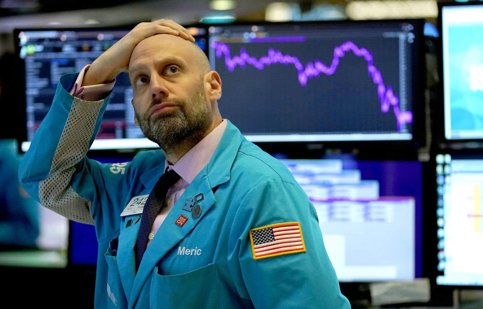 À peine quelques minutes après l'ouverture, la chute du S&P 500, baromètre des marchés, a entraîné les coupe-circuits.