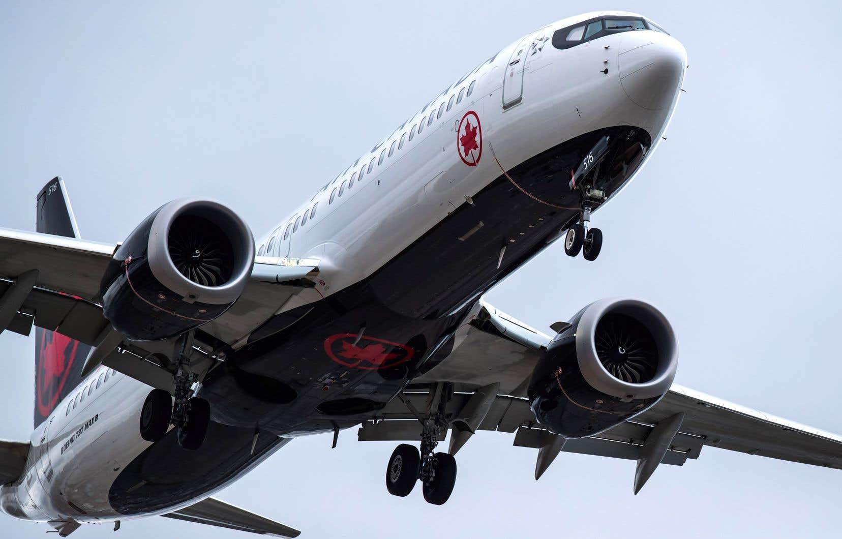 Le gouvernement canadien et des pays du monde entier ont interdit aux appareils 737 MAX de décoller l'an dernier.