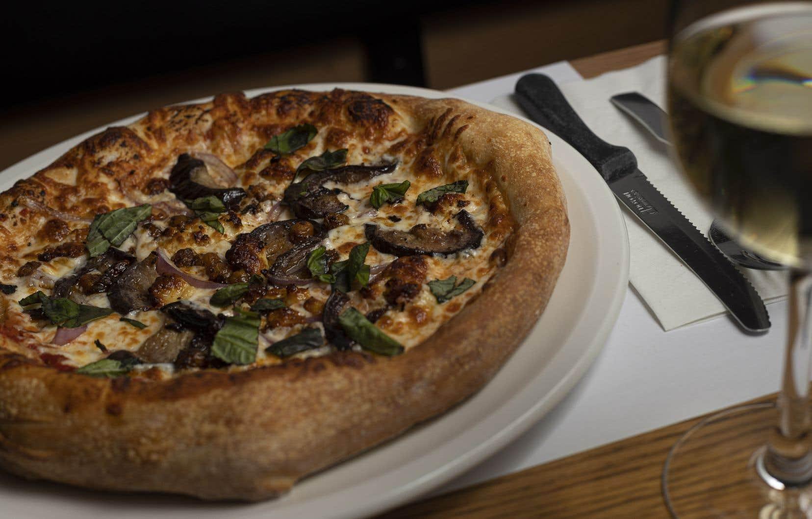Du côté des plats, le menu du Milano va dans tous les sens. Mais la pizza demeure la vedette.