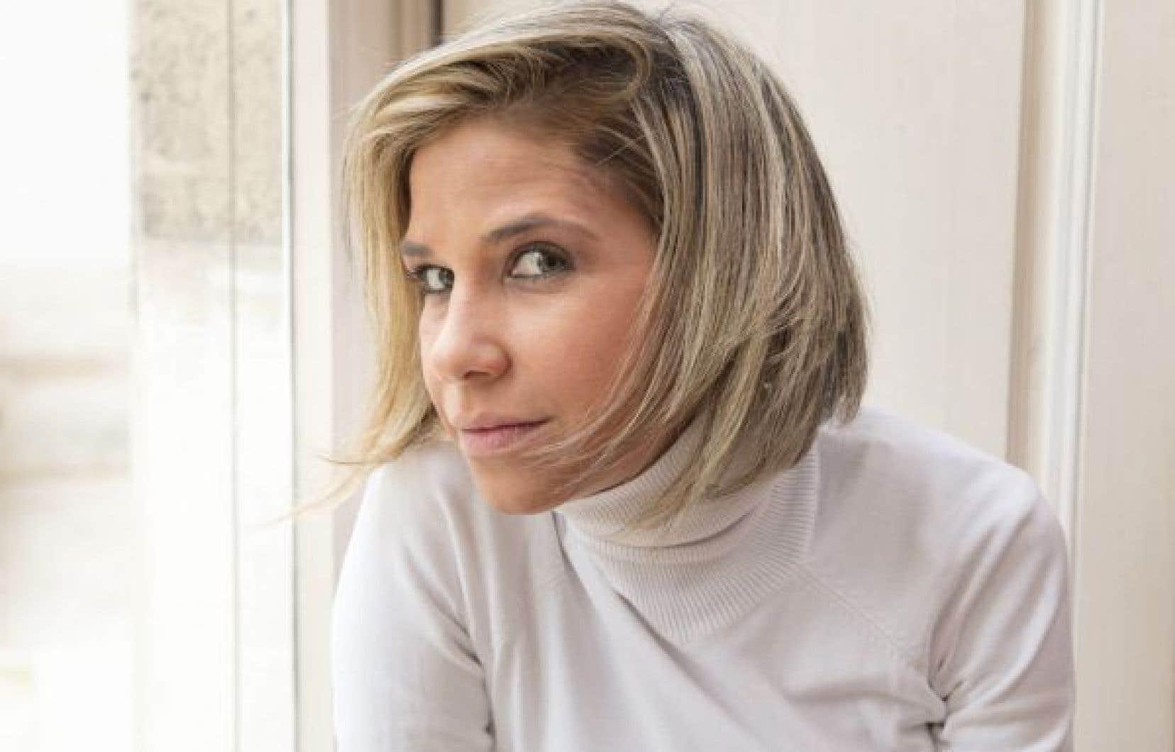 Le premier roman de la Vénézuélienne Karina Sainz Borgo est un récit d'exil et de colère, mais c'est aussi un cri de désespoir lancé par l'écrivaine, une journaliste née à Caracas en 1982 et qui vit en exil en Espagne depuis 2006.