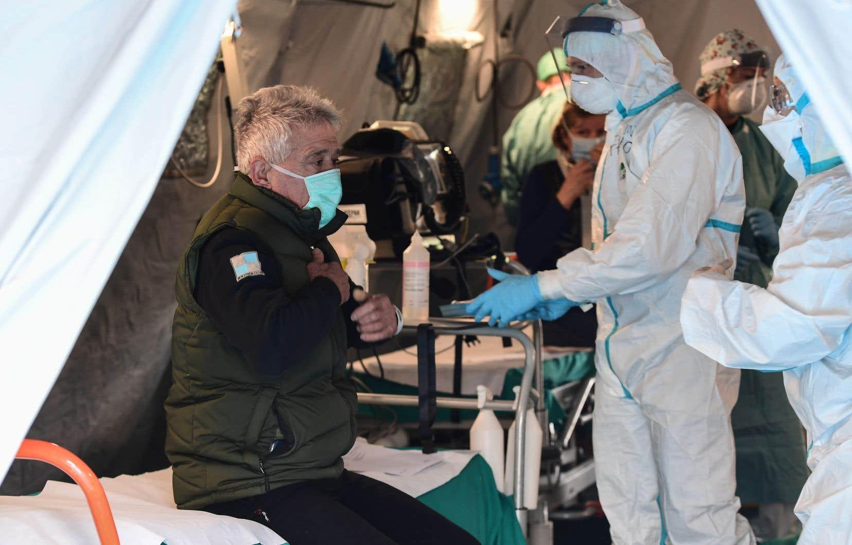 Depuis l'apparition du virus, plus de 134300 personnes ont été contaminées, dans 121 pays et territoires.