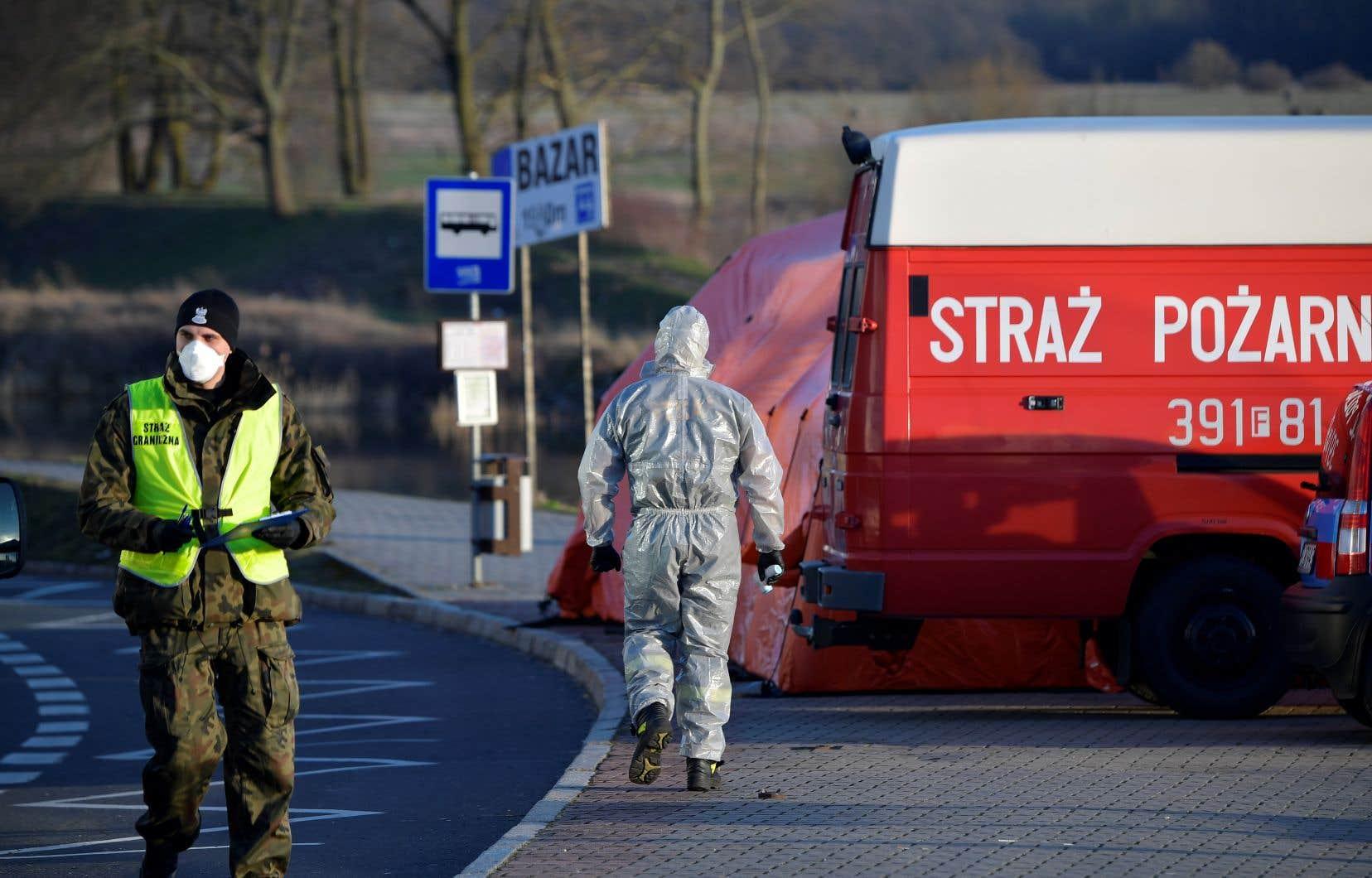 La Pologne a déjà fermé sa frontière avec l'Allemagne pour éviter la propagation du virus.