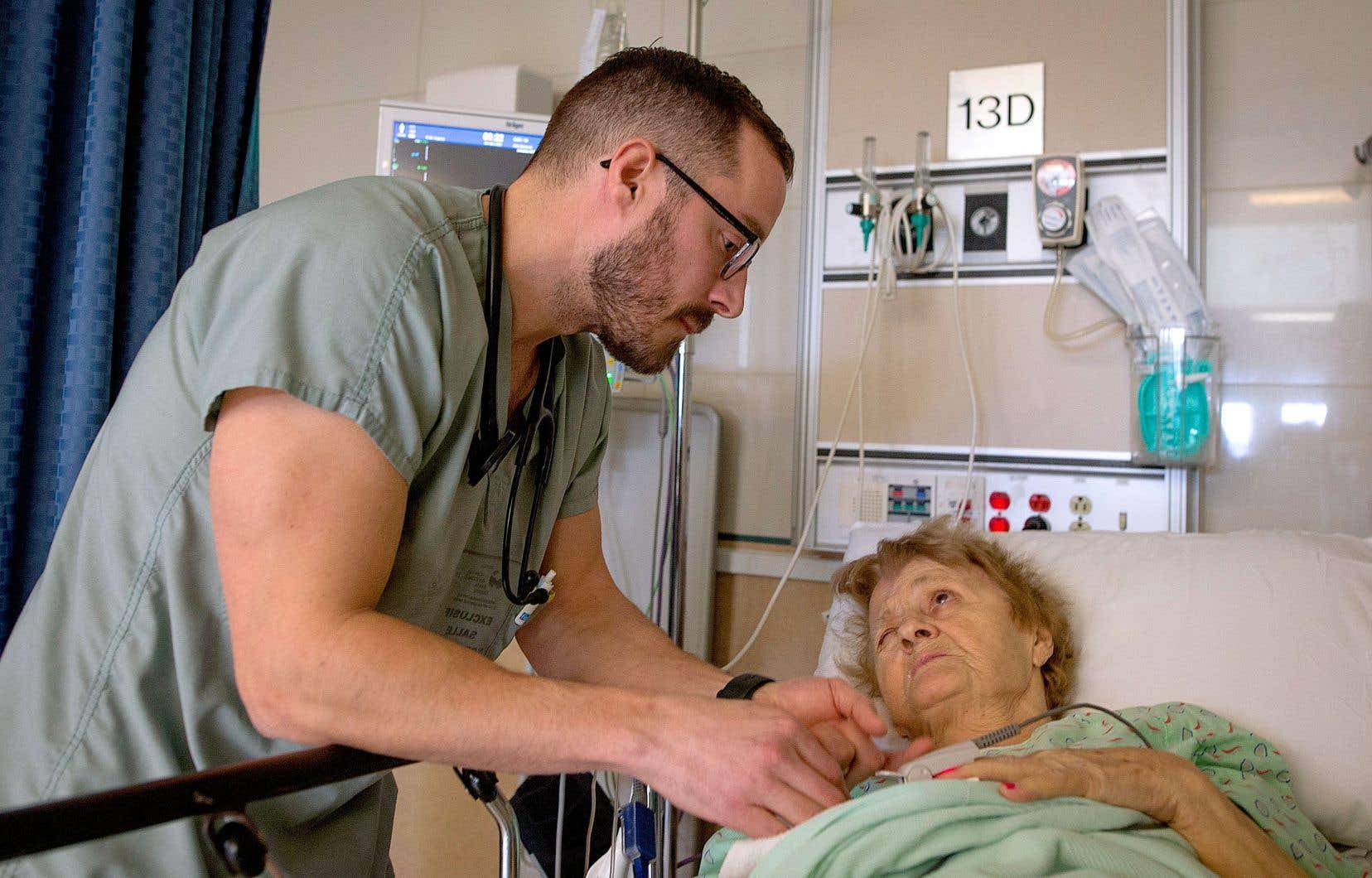 Le DrPascal Gagner se fait un point d'honneur d'adopter une «approche empathique» avec ses patients de l'hôpital Santa Cabrini ainsi qu'avec leur famille.