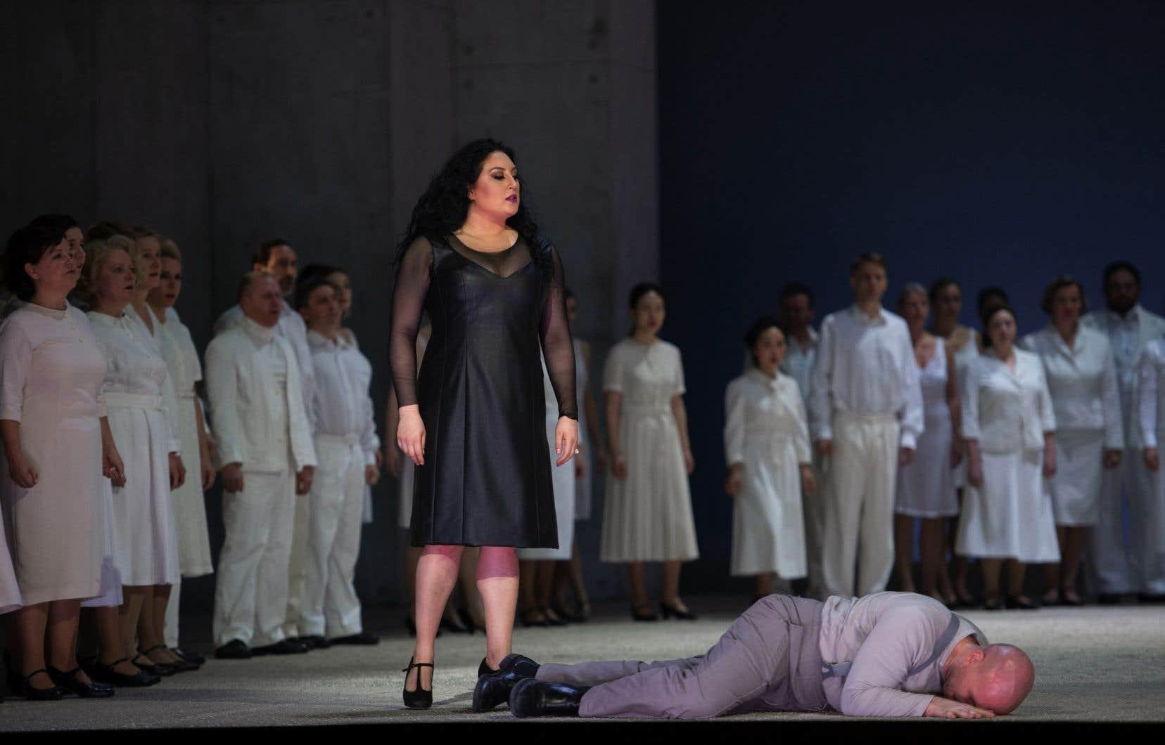 <p>Comme Nézet-Séguin à Philadelphie, Daniel Barenboïm, à l'Opéra d'État de Berlin, décidait jeudi dernier de retransmettre sur Internet «Carmen<i>»</i>donné jeudi devant une salle vide, mais 160 000 internautes.</p>