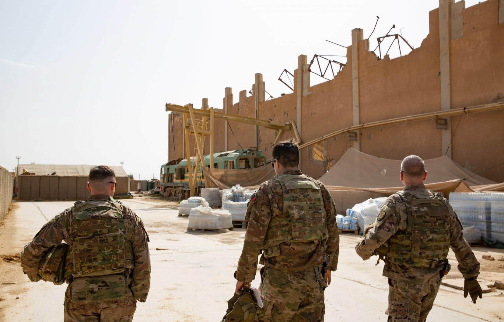 Ce repositionnement intervient alors que les attaques contre les troupes de la coalition se sont multipliées.