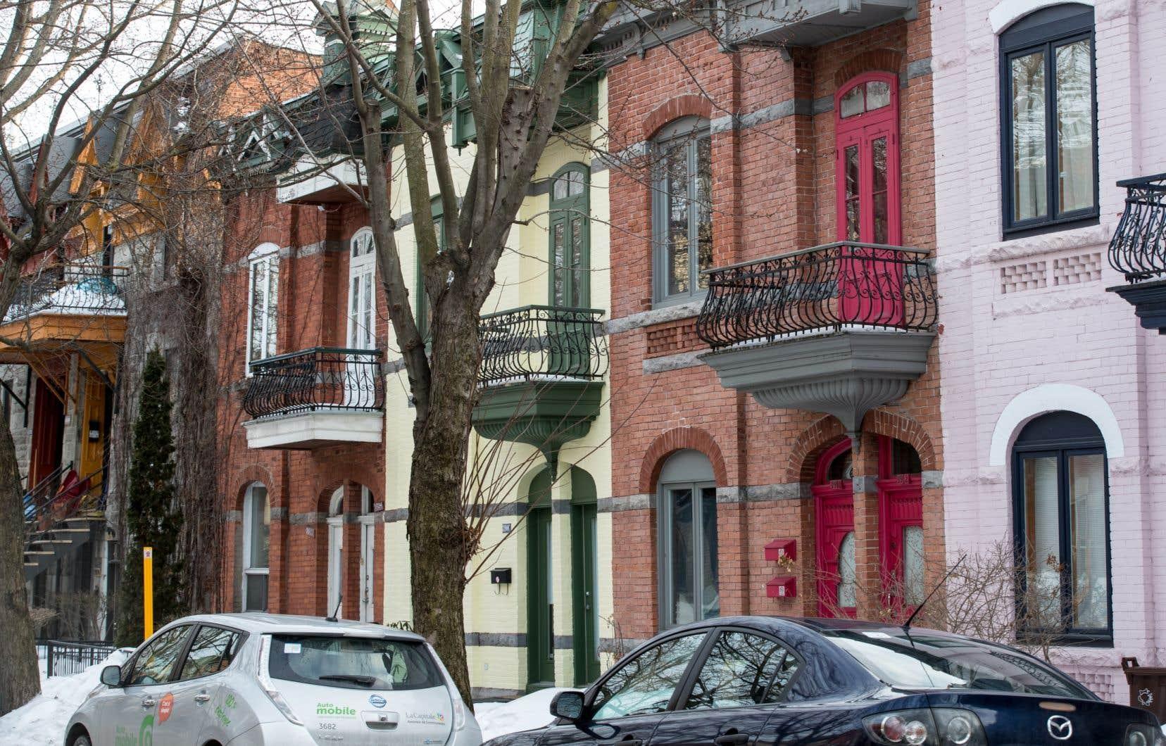 Selon Statistique Canada, les prix des transports et des logements ont le plus contribué à la hausse de l'indice d'ensemble.