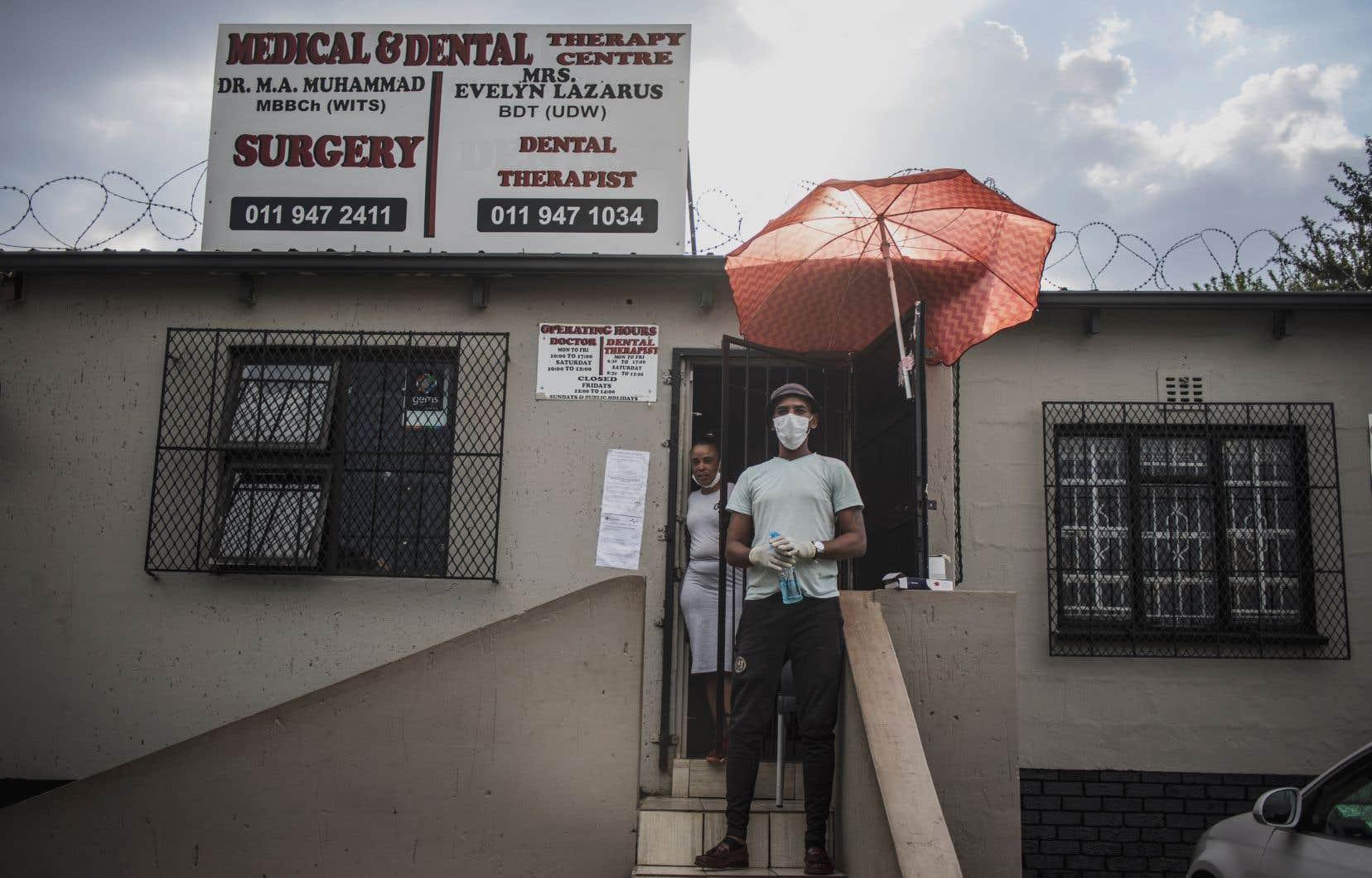 En Afrique du Sud, le nombre de cas d'infections au coronavirus a franchi la barre des 200.