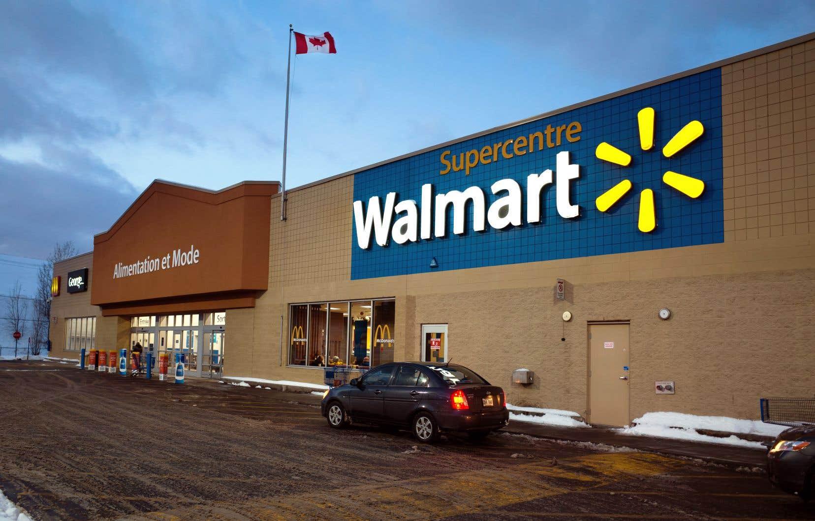 Walmart a précisé qu'elle connaissait une forte demande pour son service de ramassage en magasin et de livraison.