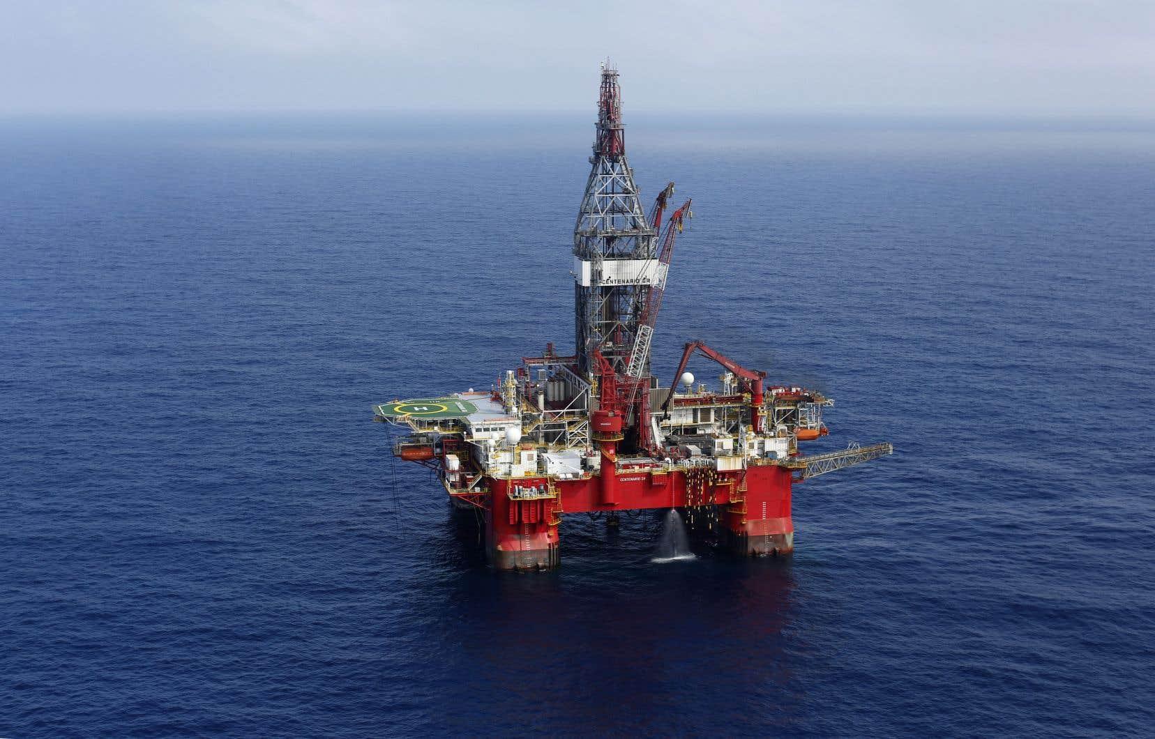 Le gouvernement Trudeau mène une consultation publique en ligne de 30 jours sur un projet de règlement qui permettra d'«exclure» les forages d'exploration pétrolière et gazière d'une évaluation environnementale.