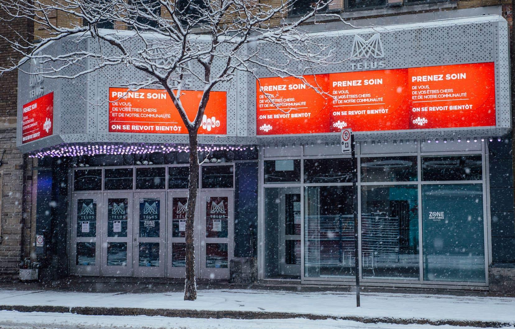 Au lendemain de l'annonce de la fermeture des salles des spectacles le 12mars, une «réunion d'urgence» se tenait entre divers organismes du milieu culturel. Mais depuis, aucune mesure touchant les artistes qui ont perdu tous leurs contrats n'a été annoncée à Québec.