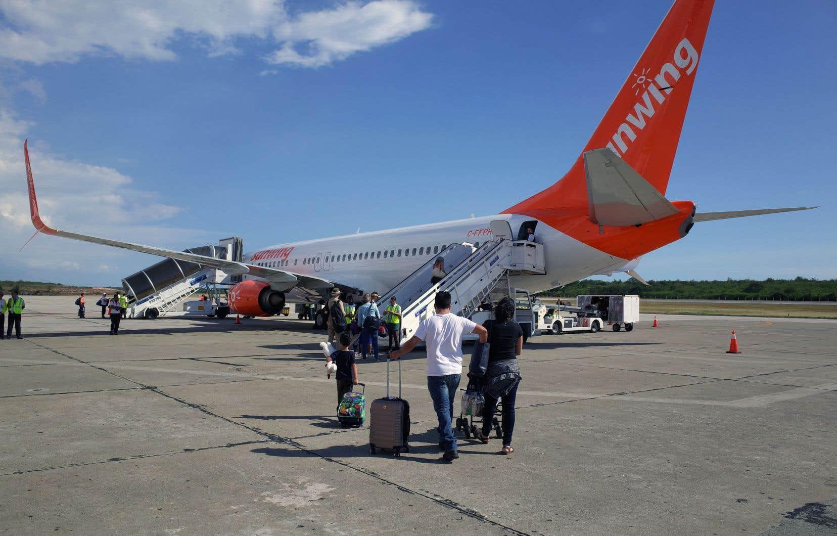 Le voyagiste Sunwing a indiqué exploiter près de 30 vols pour ramener plus de 5000 Canadiens au pays.