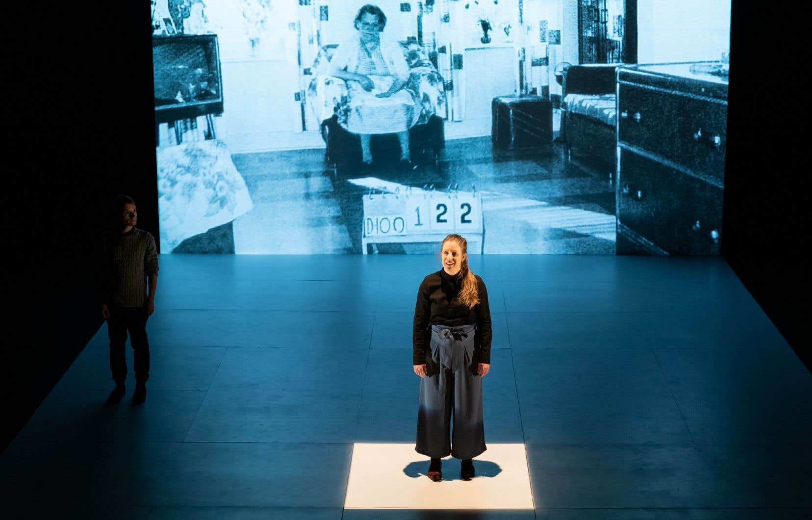 La comédienne et présidente du Conseil québécois du théâtre, Anne Trudel, dans la pièce «ICI»<i> </i>présentée à l'Espace libre au printemps 2019.