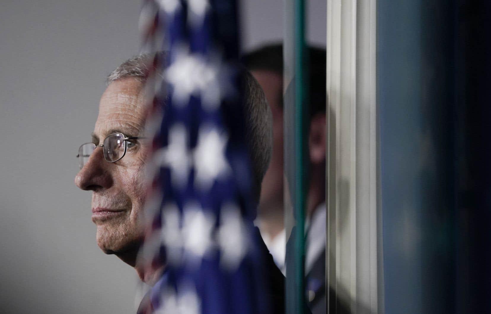 Devenu aux yeux de millions d'Américains une figure rassurante au fil de ses interventions quasi quotidiennes au sein de la «task force» de la Maison-Blanche sur le virus, le DrAnthony Fauci a également évoqué «des millions de cas» possibles.