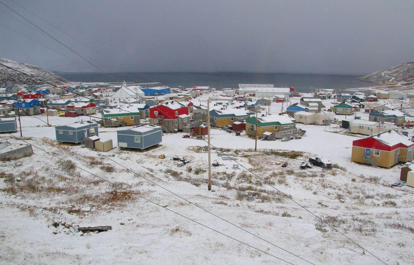 Le village de Salluit, où vit la première personne infectée par le coronavirus, a été fermé.