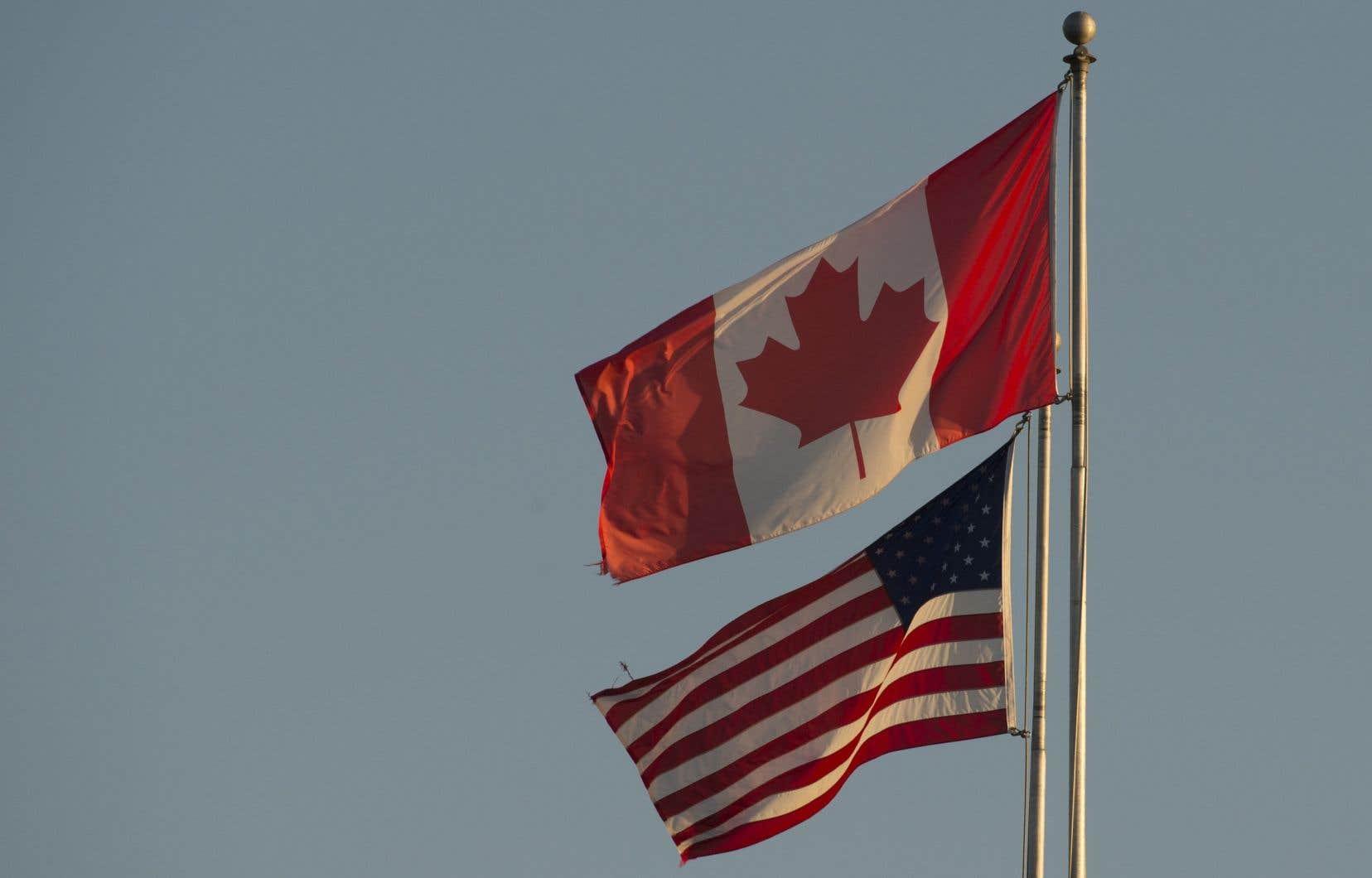 Le Canada et les États-Unis ont fermé il y a dix jours leur frontière commune aux passages non-essentiels de même qu'aux migrants qui la traversent de façon irrégulière.