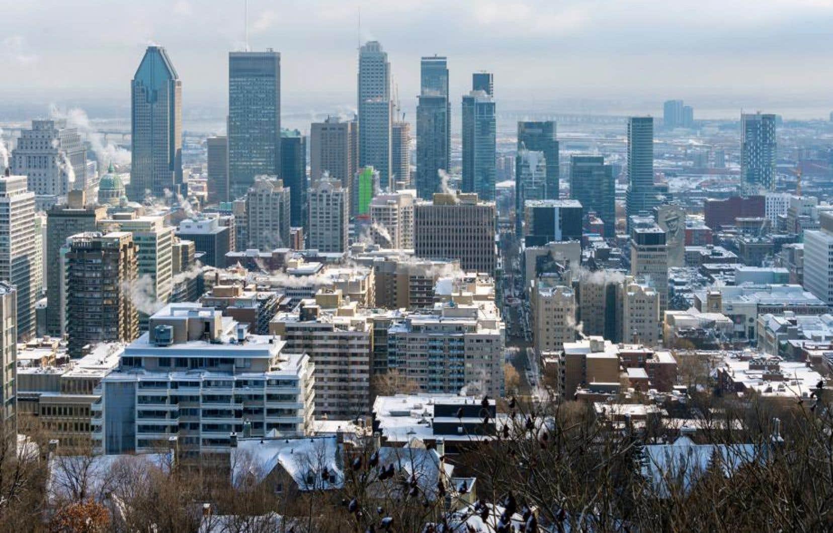 La grande région de Montréal verra son nombre d'emplois total reculer de 4,8% au cours des trois prochains mois, soitl'équivalent d'un peu plus de 105000 emplois, estime la Communauté métropolitaine de Montréal.