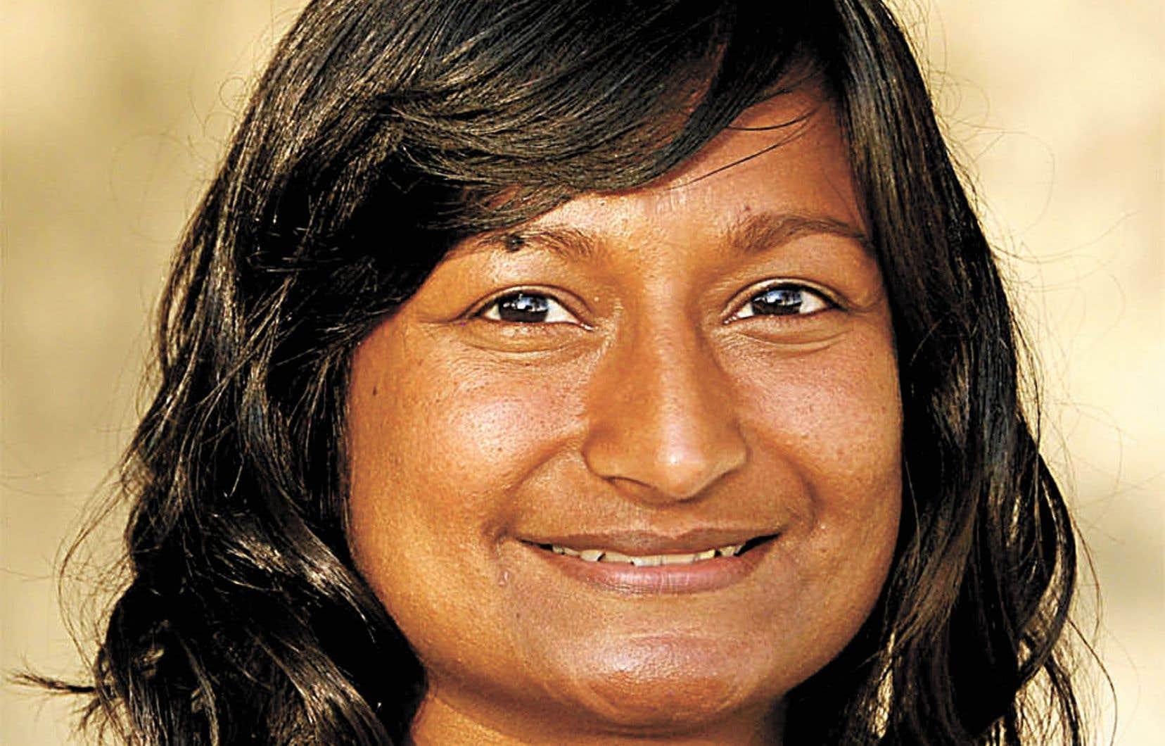 Sharon Bala évoque l'accostage du «MV Sun Sea», un navire transportant des centaines d'hommes, de femmes et d'enfants tamouls fuyant la persécution au Sri Lanka, sur les côtes de la Colombie-Britannique en août 2010.