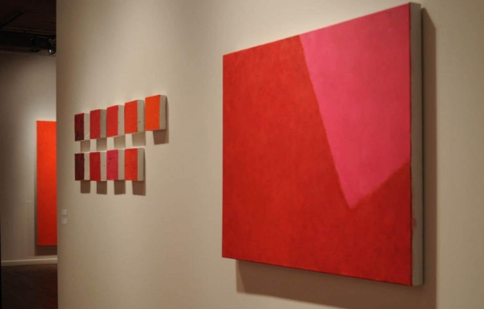 Vue générale de l'exposition Rouges, de Françoise Sullivan<br />