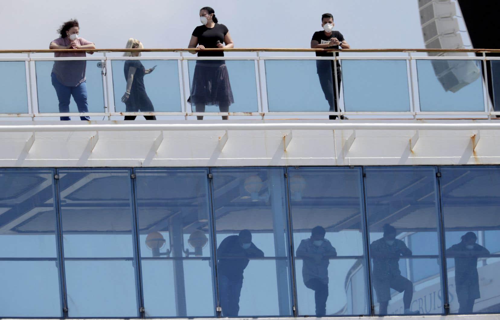 On recense 97 ressortissants canadiens à bord du «Coral Princess», qui a quitté Santiago, au Chili, le 5mars dernier.